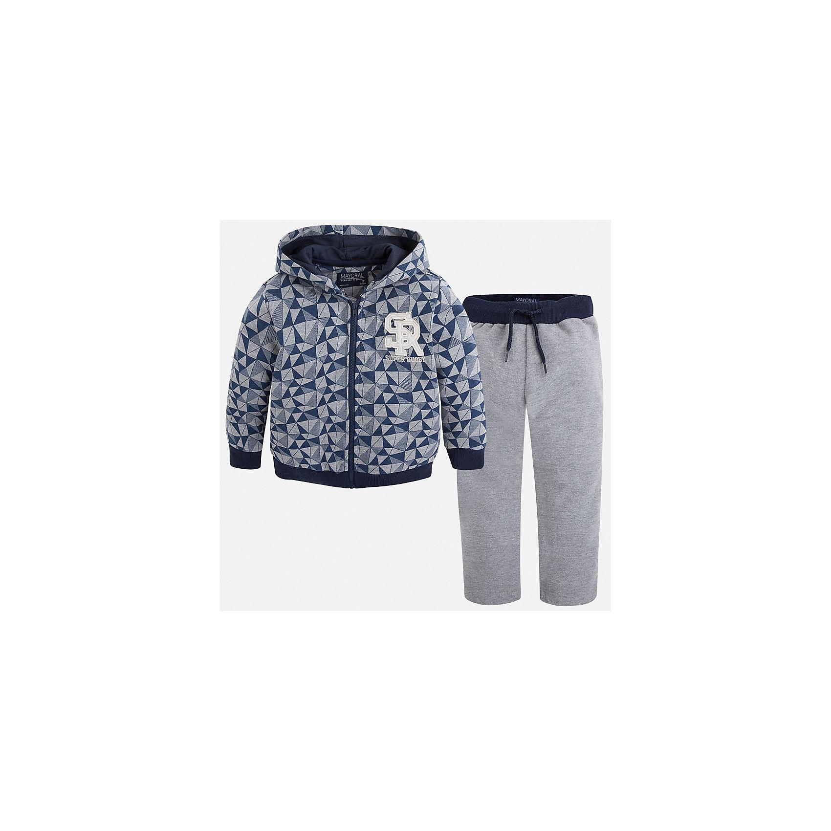 Спортивный костюм для мальчика MayoralСтильный, практичный, долговечный и очень удобный спортивный костюм для мальчика.<br><br>Дополнительная информация:<br><br>- В комплекте: спортивная куртка и брюки.<br>- Крой: свободный крой.<br>- Страна бренда: Испания.<br>- Состав: хлопок 33%, полиэстер 67%.<br>- Цвет: серый.<br>- Уход: бережная стирка при 30 градусах.<br><br>Стильный, практичный, долговечный и очень удобный спортивный костюм для мальчика.<br><br>Дополнительная информация:<br><br>- В комплекте: Спортивная куртка и брюки.<br>- Крой: свободный крой.<br>- Страна бренда: Испания.<br>- Состав: хлопок 33%, полиэстер 67%.<br>- Цвет: синий.<br>- Уход: бережная стирка при 30 градусах.<br><br>Купить спортивный костюм для мальчика Mayoral, можно в нашем магазине.<br><br>Ширина мм: 247<br>Глубина мм: 16<br>Высота мм: 140<br>Вес г: 225<br>Цвет: серый<br>Возраст от месяцев: 96<br>Возраст до месяцев: 108<br>Пол: Мужской<br>Возраст: Детский<br>Размер: 128,110,116,122,134,98,104<br>SKU: 4826508