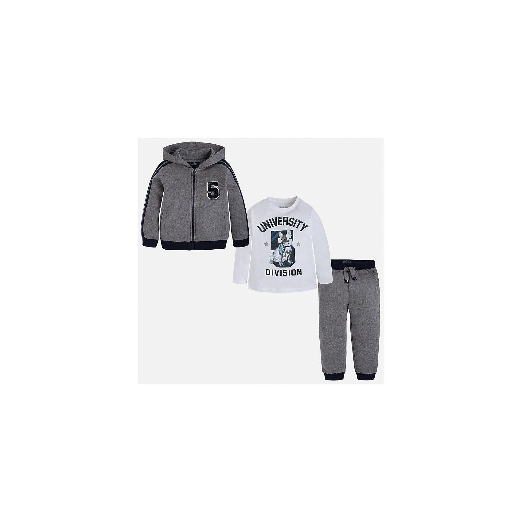Спортивный костюм для мальчика MayoralУ каждого юного джентльмена должен быть полноценный спортивный костюм!<br><br>Дополнительная информация:<br><br>- В комплекте: спортивная кофта и белая футболка с длинными рукавами, брюки.<br>- Крой: свободный крой.<br>- Страна бренда: Испания.<br>- Состав: хлопок 100%.<br>- Цвет: серый.<br>- Уход: бережная стирка при 30 градусах.<br><br>Купить спортивный костюм для мальчика Mayoral, можно в нашем магазине.<br><br>Ширина мм: 247<br>Глубина мм: 16<br>Высота мм: 140<br>Вес г: 225<br>Цвет: серый<br>Возраст от месяцев: 96<br>Возраст до месяцев: 108<br>Пол: Мужской<br>Возраст: Детский<br>Размер: 128,134,116,104,98,110,122<br>SKU: 4826548
