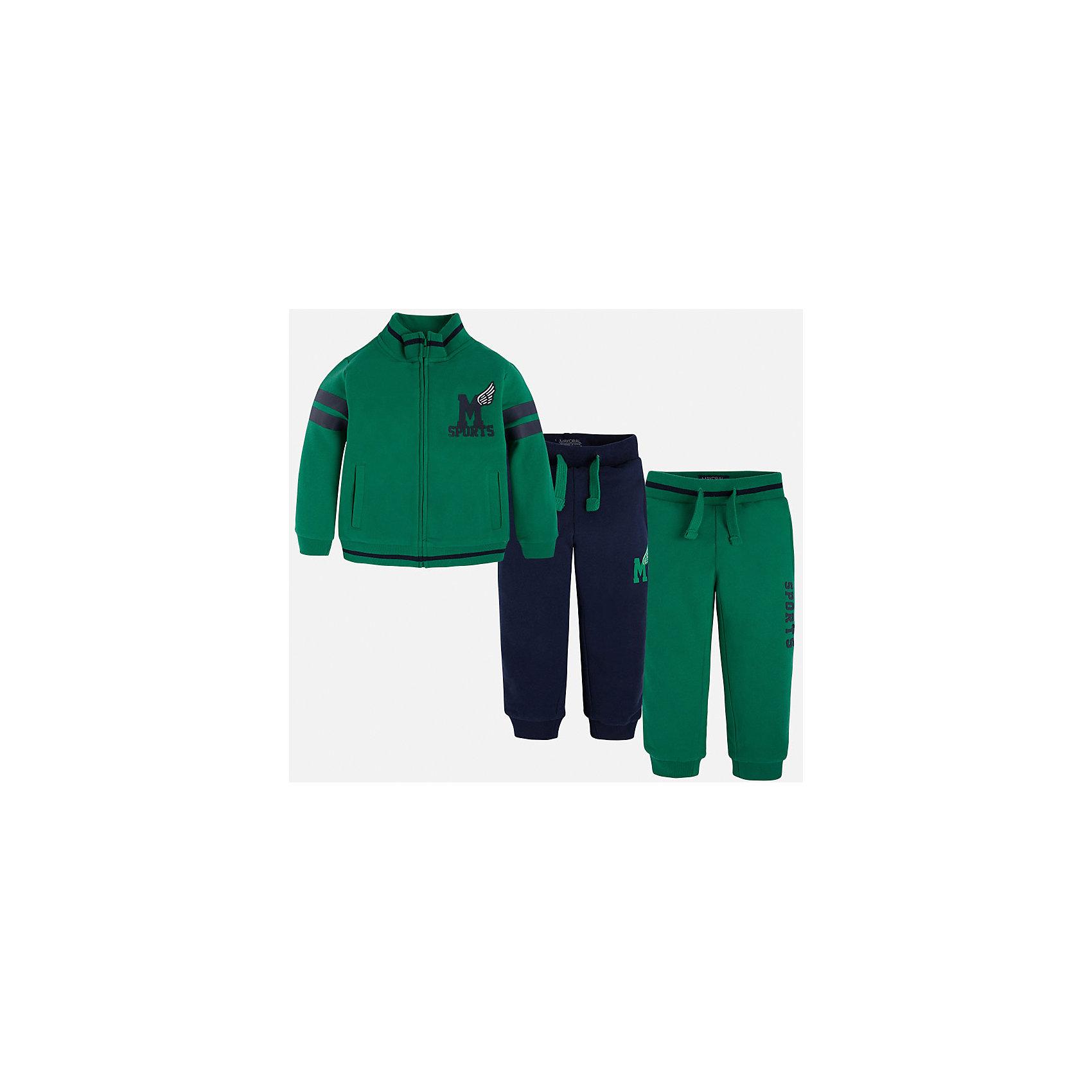 Спортивный костюм для мальчика MayoralУ каждого юного джентльмена должен быть полноценный спортивный костюм!<br><br>Дополнительная информация:<br><br>- В комплекте: спортивная куртка и брюки (2шт.)<br>- Крой: свободный крой.<br>- Страна бренда: Испания.<br>- Состав: хлопок 100%.<br>- Цвет: зеленый.<br>- Уход: бережная стирка при 30 градусах.<br><br>Купить спортивный костюм для мальчика Mayoral, можно в нашем магазине.<br><br>Ширина мм: 247<br>Глубина мм: 16<br>Высота мм: 140<br>Вес г: 225<br>Цвет: разноцветный<br>Возраст от месяцев: 108<br>Возраст до месяцев: 120<br>Пол: Мужской<br>Возраст: Детский<br>Размер: 134,128,122,110,104,98,116<br>SKU: 4826580