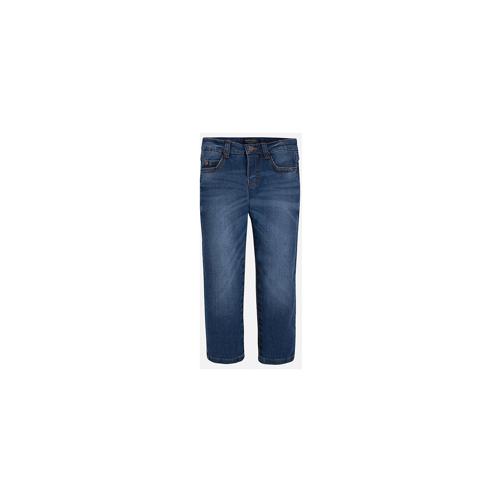Джинсы для мальчика MayoralДжинсовая одежда<br>Хорошие, качественные джинсы - это необходимый атрибут в гардеробе каждого человека!<br><br>Дополнительная информация:<br><br>- Крой: зауженный крой (Slim fit).<br>- Страна бренда: Испания.<br>- Состав: хлопок 99%, эластан 1%.<br>- Цвет: синий.<br>- Уход: бережная стирка при 30 градусах.<br><br>Купить брюки для мальчика Mayoral можно в нашем магазине.<br><br>Ширина мм: 215<br>Глубина мм: 88<br>Высота мм: 191<br>Вес г: 336<br>Цвет: синий<br>Возраст от месяцев: 24<br>Возраст до месяцев: 36<br>Пол: Мужской<br>Возраст: Детский<br>Размер: 98,104,134,128,116,122,110<br>SKU: 4826623