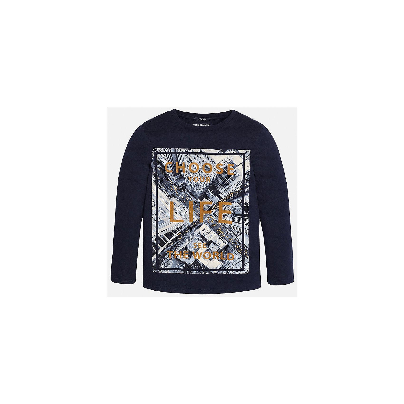 Футболка с длинным рукавом  для мальчика MayoralХлопковая футболка с длинными рукавами - это  базовая вещь в любом гардеробе. Благодаря длинным рукавам и легкому составу ткани, ее можно носить в любое время года, а яркий орнамент, подчеркнет индивидуальный стиль Вашего ребенка!<br><br>Дополнительная информация:<br><br>- Крой: прямой крой.<br>- Страна бренда: Испания.<br>- Состав: хлопок 100%.<br>- Цвет: темно-синий.<br>- Уход: бережная стирка при 30 градусах.<br><br>Купить футболку с длинным рукавом для мальчика, от  Mayoral, можно в нашем магазине.<br><br>Ширина мм: 230<br>Глубина мм: 40<br>Высота мм: 220<br>Вес г: 250<br>Цвет: синий<br>Возраст от месяцев: 96<br>Возраст до месяцев: 108<br>Пол: Мужской<br>Возраст: Детский<br>Размер: 164/170,158/164,158/164,146/152,128/134,140/146<br>SKU: 4826715