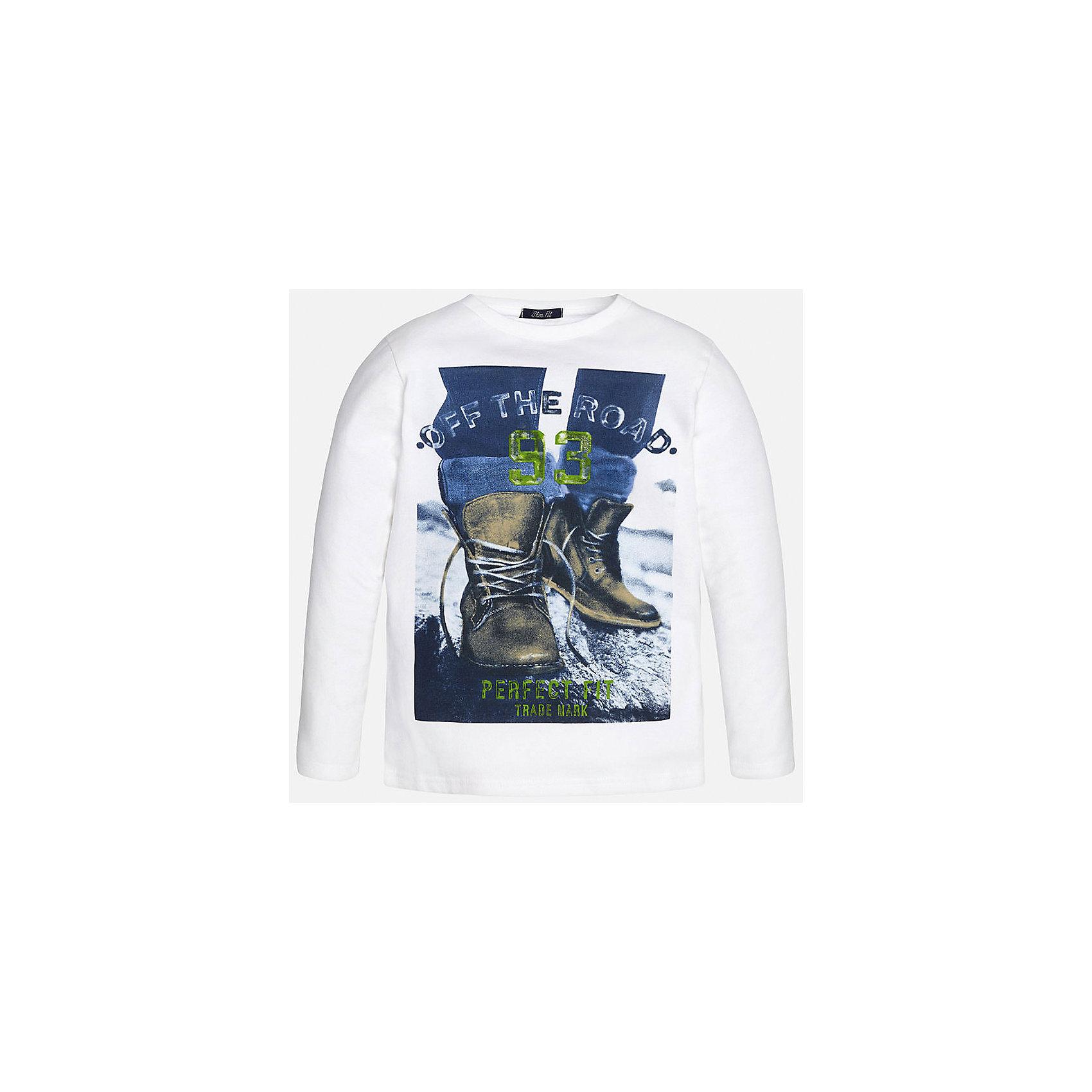 Футболка с длинным рукавом  для мальчика MayoralХлопковая футболка с длинными рукавами - это  базовая вещь в любом гардеробе. Благодаря длинным рукавам и легкому составу ткани, ее можно носить в любое время года, а яркий орнамент, подчеркнет индивидуальный стиль Вашего ребенка!<br><br>Дополнительная информация:<br><br>- Крой: приталенный крой.<br>- Страна бренда: Испания.<br>- Состав: хлопок 100%.<br>- Цвет: белый.<br>- Уход: бережная стирка при 30 градусах.<br><br>Купить футболку с длинным рукавом для мальчика, от  Mayoral, можно в нашем магазине.<br><br>Ширина мм: 230<br>Глубина мм: 40<br>Высота мм: 220<br>Вес г: 250<br>Цвет: белый<br>Возраст от месяцев: 96<br>Возраст до месяцев: 108<br>Пол: Мужской<br>Возраст: Детский<br>Размер: 128/134,164/170,158/164,158/164,146/152,140/146<br>SKU: 4826750