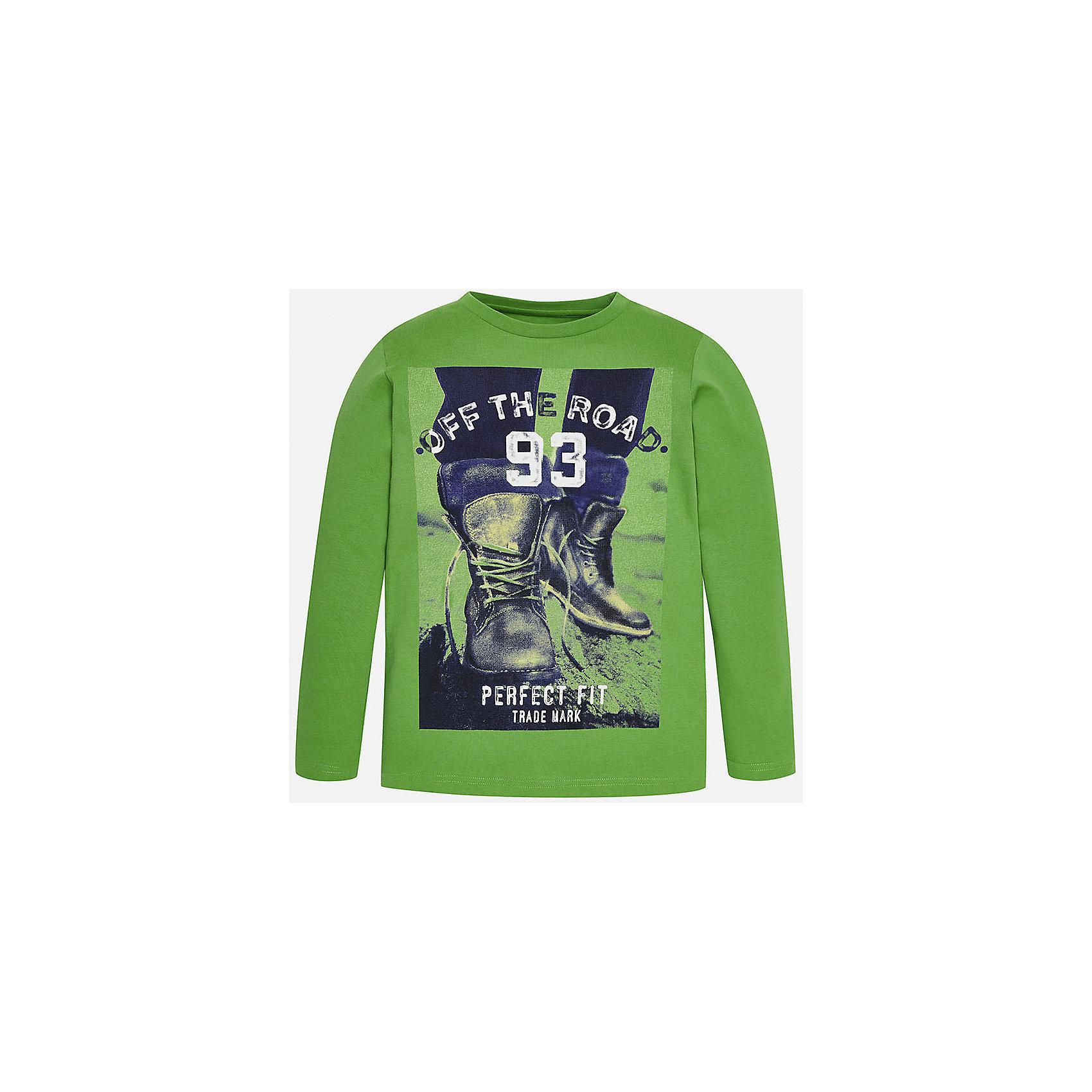 Футболка с длинным рукавом  для мальчика MayoralХлопковая футболка с длинными рукавами - это  базовая вещь в любом гардеробе. Благодаря длинным рукавам и легкому составу ткани, ее можно носить в любое время года, а яркий орнамент, подчеркнет индивидуальный стиль Вашего ребенка!<br><br>Дополнительная информация:<br><br>- Крой: приталенный крой.<br>- Страна бренда: Испания.<br>- Состав: хлопок 100%.<br>- Цвет: зеленый.<br>- Уход: бережная стирка при 30 градусах.<br><br>Купить футболку с длинным рукавом для мальчика, от  Mayoral, можно в нашем магазине.<br><br>Ширина мм: 230<br>Глубина мм: 40<br>Высота мм: 220<br>Вес г: 250<br>Цвет: зеленый<br>Возраст от месяцев: 168<br>Возраст до месяцев: 180<br>Пол: Мужской<br>Возраст: Детский<br>Размер: 158/164,164/170,128/134,140/146,146/152,158/164<br>SKU: 4826757