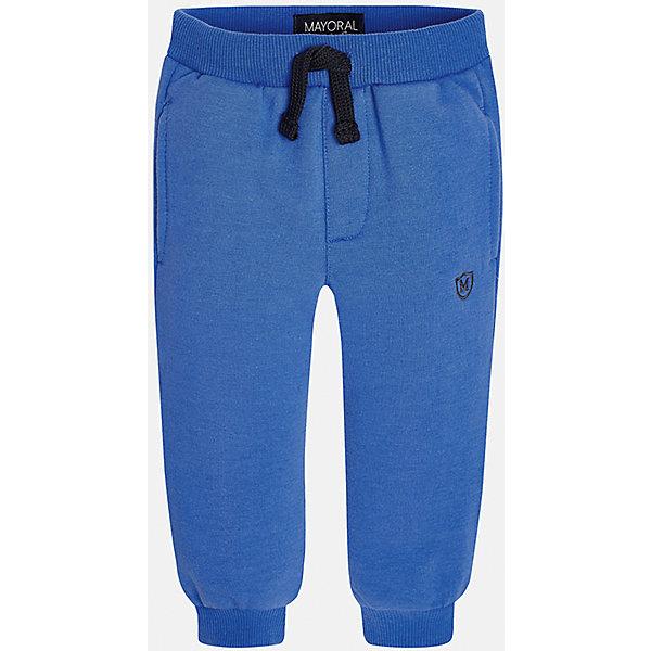 Брюки для мальчика MayoralДжинсы и брючки<br>Очень удобные укороченные спортивные брюки для мальчика! У брюк зауженный крой, хорошая посадка, на талии регулируются специальной резинкой.<br><br>Дополнительная информация:<br><br>- Крой: зауженный крой.<br>- Страна бренда: Испания.<br>- Состав: хлопок 34%, полиэстер 62%, эластан 4%.<br>- Цвет: синий.<br>- Уход: бережная стирка при 30 градусах.<br><br>Купить брюки для мальчика Mayoral можно в нашем магазине.<br><br>Ширина мм: 215<br>Глубина мм: 88<br>Высота мм: 191<br>Вес г: 336<br>Цвет: синий<br>Возраст от месяцев: 6<br>Возраст до месяцев: 9<br>Пол: Мужской<br>Возраст: Детский<br>Размер: 74,92,80,86<br>SKU: 4826776