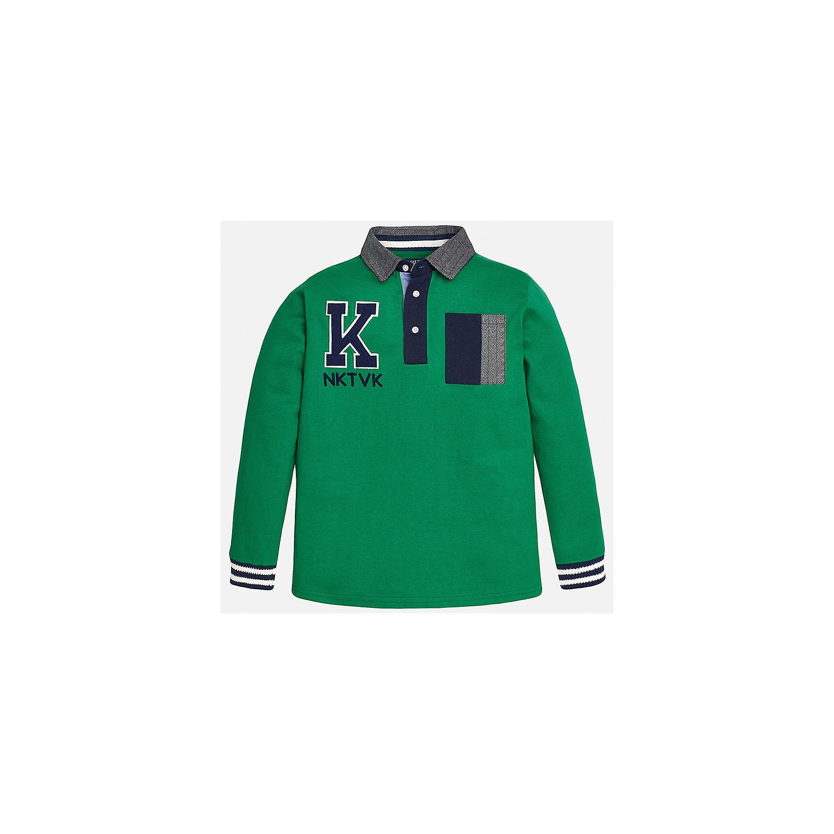 Футболка-поло с длинным рукавом для мальчика MayoralФутболки с длинным рукавом<br>Рубашка-поло для мальчика от известного испанского бренда Mayoral (Майорал). Эта стильная и удобная хлопковая рубашка с длинным рукавом придет по вкусу вашему моднику. Яркий зеленый цвет отлично сочетается с деталями отделки темно-синего цвета. Пестрый откидной воротничок имеет тот же стиль, что и кармашек на груди. Нашивка на лицевой стороне повторяет вышитые буквы на спине. У рубашки свободный прямой крой, рукава заканчиваются полосатыми трикотажными резинками. Отличное пополнение для сезона осень-зима. К этой рубашке подойдут как джинсы, так и штаны спортивного кроя. <br><br>Дополнительная информация:<br><br>- Силуэт: прямой<br>- Рукав: длинный<br>- Длина: средняя<br><br>Состав: 100% хлопок <br><br>Рубашка-поло для мальчика Mayoral (Майорал) можно купить в нашем интернет-магазине.<br><br>Подробнее:<br>• Для детей в возрасте: от 8 до 16 лет<br>• Номер товара: 4826800<br>Страна производитель: Индия<br><br>Ширина мм: 174<br>Глубина мм: 10<br>Высота мм: 169<br>Вес г: 157<br>Цвет: разноцветный<br>Возраст от месяцев: 96<br>Возраст до месяцев: 108<br>Пол: Мужской<br>Возраст: Детский<br>Размер: 128/134,164/170,158/164,152/158,146/152,140/146<br>SKU: 4826800