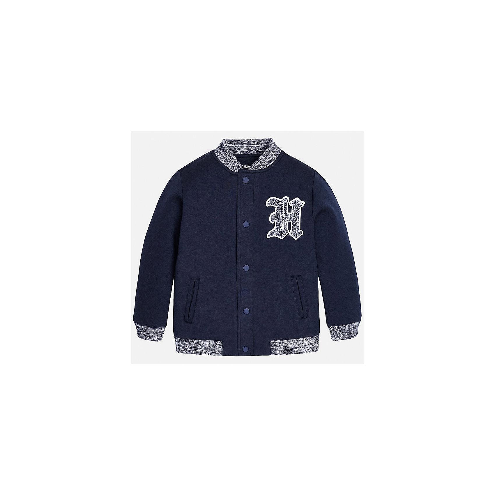 Куртка для мальчика MayoralВерхняя одежда<br>Куртка для мальчика от известного испанского бренда Mayoral(Майорал). Куртка очень удобная, застегивается на кнопки спереди. Есть 2 кармана сбоку, аппликация на груди, резинка на манжетах. Модель украшена аппликацией в виде эмблемы на груди. Отлично подойдет для спортивного образа ребенка!<br><br>Дополнительная информация:<br>Состав: 63% полиэстер, 29% вискоза, 8% эластан<br>Цвет: темно-синий<br>Вы можете приобрести куртку Mayoral(Майорал) в нашем интернет-магазине.<br><br>Ширина мм: 356<br>Глубина мм: 10<br>Высота мм: 245<br>Вес г: 519<br>Цвет: синий<br>Возраст от месяцев: 168<br>Возраст до месяцев: 180<br>Пол: Мужской<br>Возраст: Детский<br>Размер: 164/170,158/164,152/158,128/134,140/146,146/152<br>SKU: 4826996