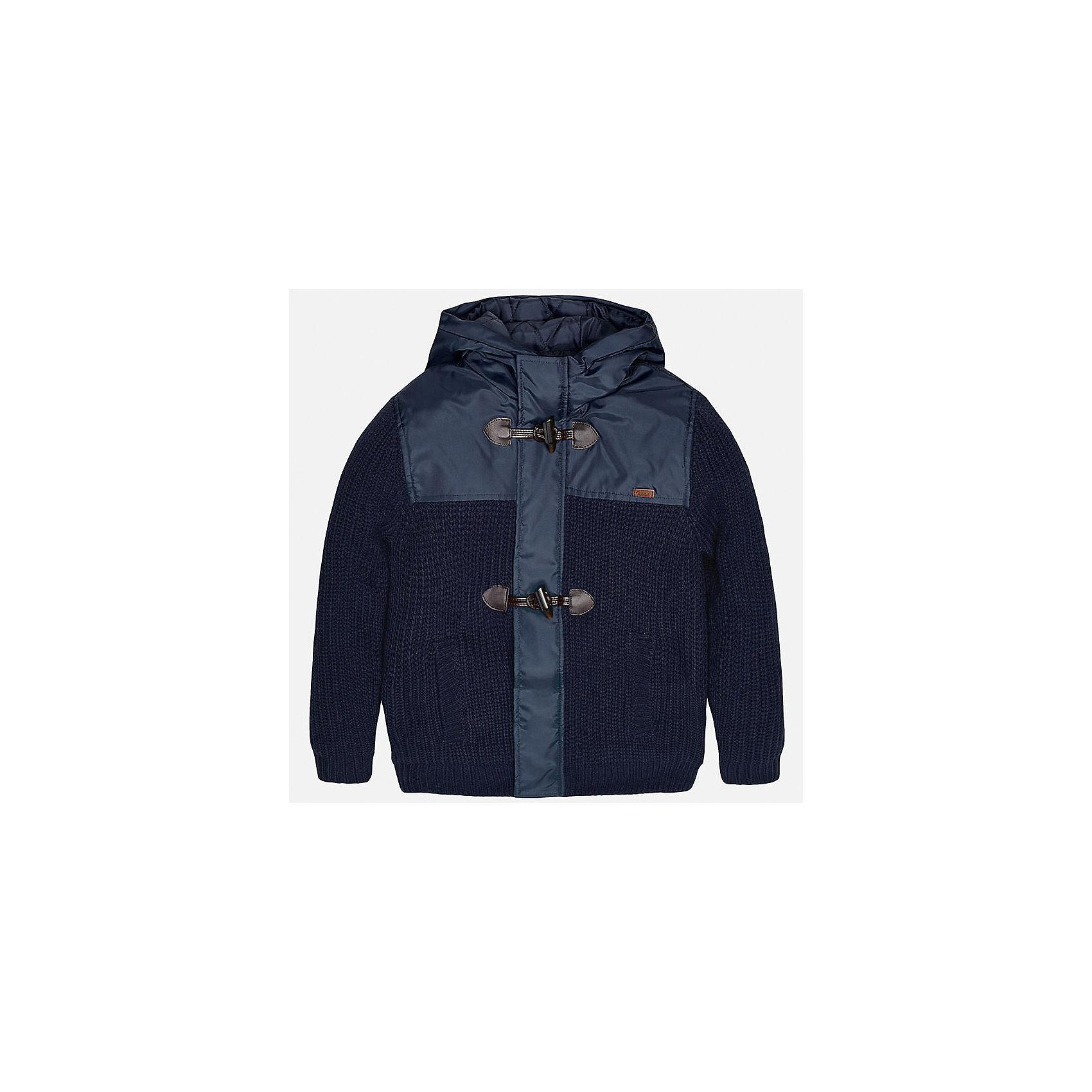 Куртка для мальчика MayoralКуртка для мальчика от известного испанского бренда Mayoral(майорал). Куртка с наполнителем из полиэстера не позволит ребенку замерзнуть. Модель имеет капюшон, вставки на груди и крупные пуговицы спереди. Прекрасный вариант для прогулок!<br><br>Дополнительная информация:<br>Состав: 100% акрил. Подкладка, наполнитель: 100% полиэстер<br>Цвет: темно-синий<br>Вы можете купить куртку Mayoral(Майорал) в нашем интернет-магазине.<br><br>Ширина мм: 356<br>Глубина мм: 10<br>Высота мм: 245<br>Вес г: 519<br>Цвет: синий<br>Возраст от месяцев: 96<br>Возраст до месяцев: 108<br>Пол: Мужской<br>Возраст: Детский<br>Размер: 128/134,164/170,158/164,152/158,146/152,140/146<br>SKU: 4827064