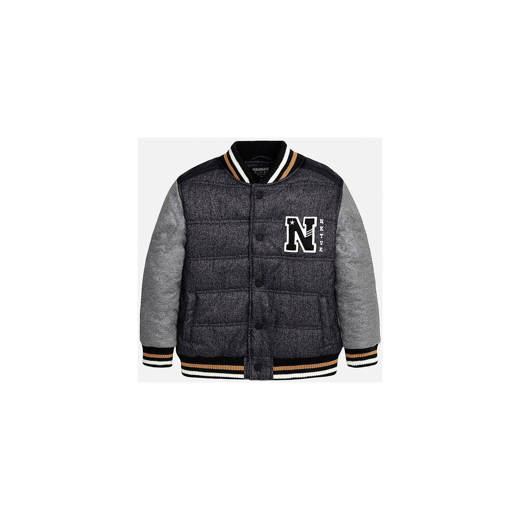 Куртка для мальчика MayoralВерхняя одежда<br>Куртка для мальчика известного испанского бренда Mayoral (Майорал). Стильная и удобная куртка на осень/весну. Пестрый черно-серый цвет сочетается серо-черными рукавами. Качественная нашивка в спортивном стиле и цветные трикотажные резинки на воротнике, манжетах и внизу куртки придутся по вкусу вашему чемпиону. У куртки имеются два кармана, застегивается на кнопки. Куртка изготовлена из непромокаемого и непродуваемого материала. Эта куртка отлично подойдет к джинсам или штанам спортивного стиля.<br><br>Дополнительная информация:<br><br>- Рукав: длинный<br>- Силуэт: прямой<br>Состав: 60% полиэстер, 40% хлопок<br><br>Куртку для мальчиков Mayoral (Майорал) можно купить в нашем интернет-магазине.<br><br>Подробнее:<br>• Для детей в возрасте: от 10 до 16 лет<br>• Номер товара: 4827079<br>Страна производитель: Китай<br><br>Ширина мм: 356<br>Глубина мм: 10<br>Высота мм: 245<br>Вес г: 519<br>Цвет: черный<br>Возраст от месяцев: 96<br>Возраст до месяцев: 108<br>Пол: Мужской<br>Возраст: Детский<br>Размер: 128/134,140/146,152/158,158/164,164/170,146/152<br>SKU: 4827078