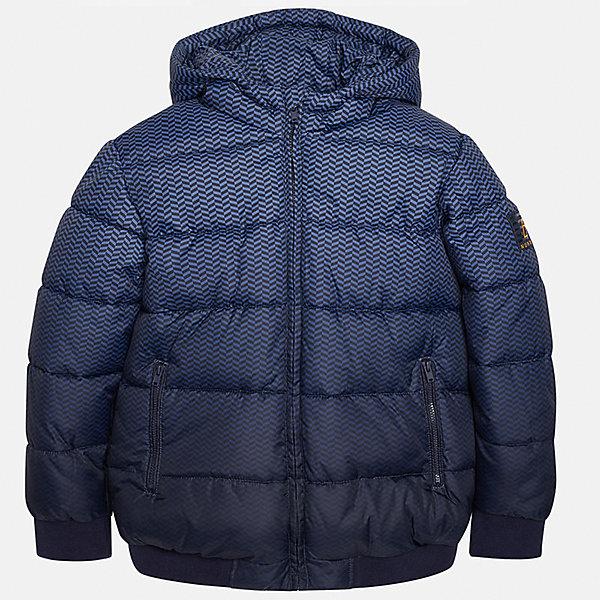 Куртка для мальчика MayoralДемисезонные куртки<br>Куртка для мальчика от популярного испанского бренда Mayoral(Майорал). Куртка водонепроницаемая, застегивается на молнию. Спереди есть 2 удобных кармана. Стильный дизайн с эффектом градиент понравится юному моднику!<br><br>Дополнительная информация:<br>Состав: 100% полиэстер<br>Цвет: синий<br>Куртку Mayoral(Майорал) можно приобрести в нашем интернет-магазине.<br><br>Ширина мм: 356<br>Глубина мм: 10<br>Высота мм: 245<br>Вес г: 519<br>Цвет: синий<br>Возраст от месяцев: 96<br>Возраст до месяцев: 108<br>Пол: Мужской<br>Возраст: Детский<br>Размер: 128/134,152/158,140/146,164/170,158/164,146/152<br>SKU: 4827120