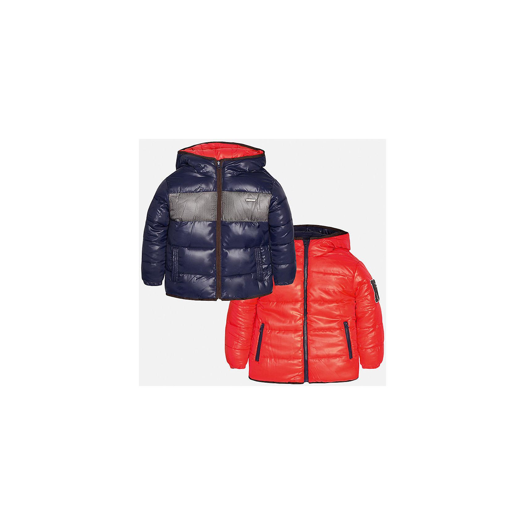 Куртка-трансформер для мальчика MayoralВерхняя одежда<br>Куртка-трансформер из полиэстера от Mayoral(Майорал). Модель застегивается на молнию, есть капюшон и карманы по бокам. Куртку можно надеть с двух сторон, это позволит вам выбрать нужный цвет к образу  ребенка. Прекрасный вариант для юных модников!<br><br>Дополнительная информация:<br>Состав: 100% полиэстер<br>Цвет: красный/синий<br>Куртку-трансформер Mayoral(Майорал) вы можете приобрести в нашем интернет-магазине.<br><br>Ширина мм: 356<br>Глубина мм: 10<br>Высота мм: 245<br>Вес г: 519<br>Цвет: коричневый<br>Возраст от месяцев: 96<br>Возраст до месяцев: 108<br>Пол: Мужской<br>Возраст: Детский<br>Размер: 128/134,164/170,140/146,146/152,152/158,158/164<br>SKU: 4827169