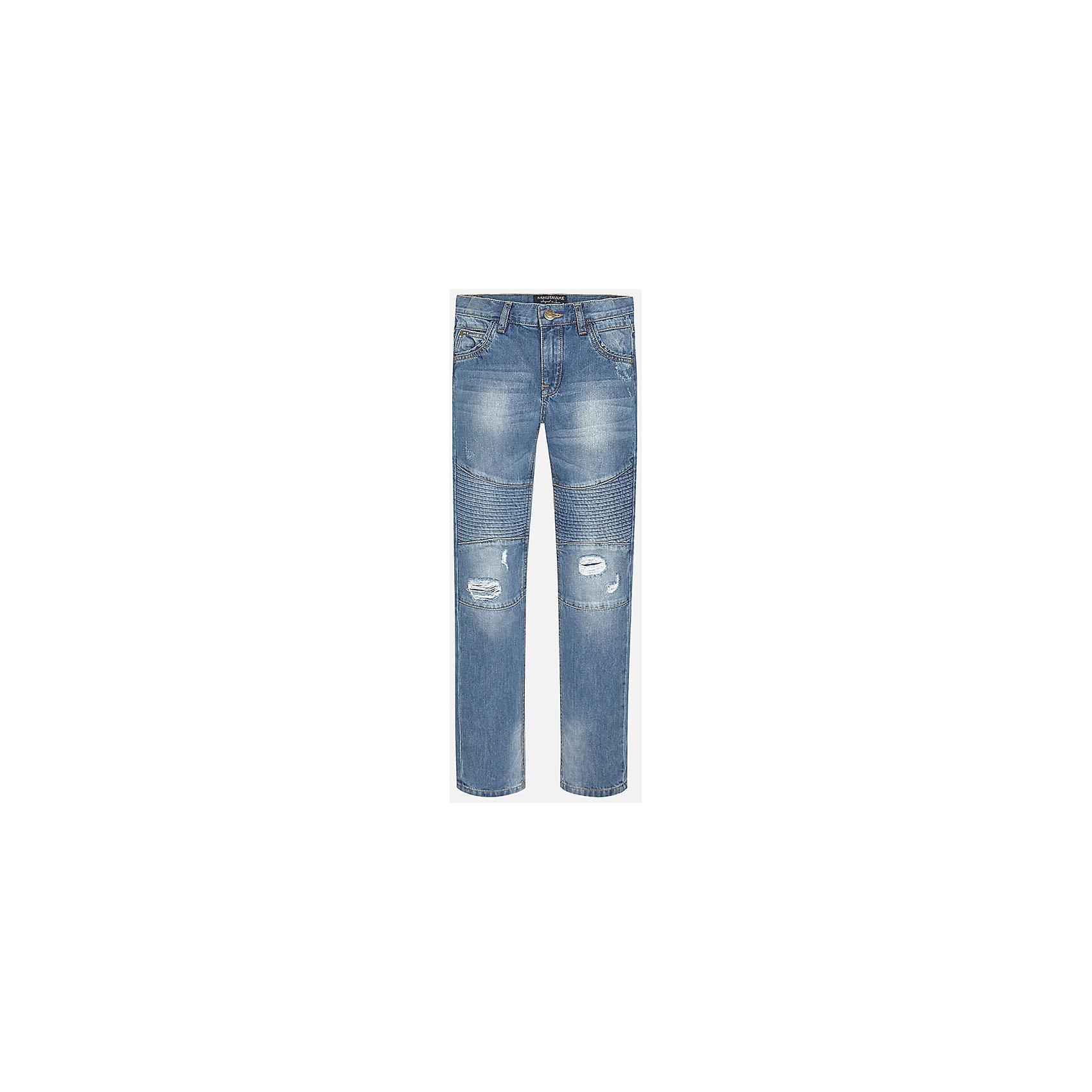 Джинсы для мальчика MayoralДжинсы для мальчика из коллекции осень-зима 2016-2017 известного испанского бренда Mayoral (Майорал). Стильные джинсы на каждый день приятного светло-синего цвета сделаны из хлопка. Модные детали дизайна и эффект «рваных штанов» придутся по вкусу вашему моднику. Брюки на молнии, имеют классические 5 карманов, прекрасно подойдут как к рубашкам, так и к футболкам.<br><br>Дополнительная информация:<br>- Силуэт прямой <br><br>Состав: 100% хлопок <br><br>Брюки для мальчика Mayoral (Майорал) можно купить в нашем интернет-магазине.<br><br>Подробнее:<br>• Для детей в возрасте: от 9 до 13 лет<br>• Номер товара: 4911444<br>Страна производитель: Китай<br><br>Ширина мм: 215<br>Глубина мм: 88<br>Высота мм: 191<br>Вес г: 336<br>Цвет: синий<br>Возраст от месяцев: 96<br>Возраст до месяцев: 108<br>Пол: Мужской<br>Возраст: Детский<br>Размер: 128/134,140/146,146/152,158/164,164/170,152/158<br>SKU: 4827183