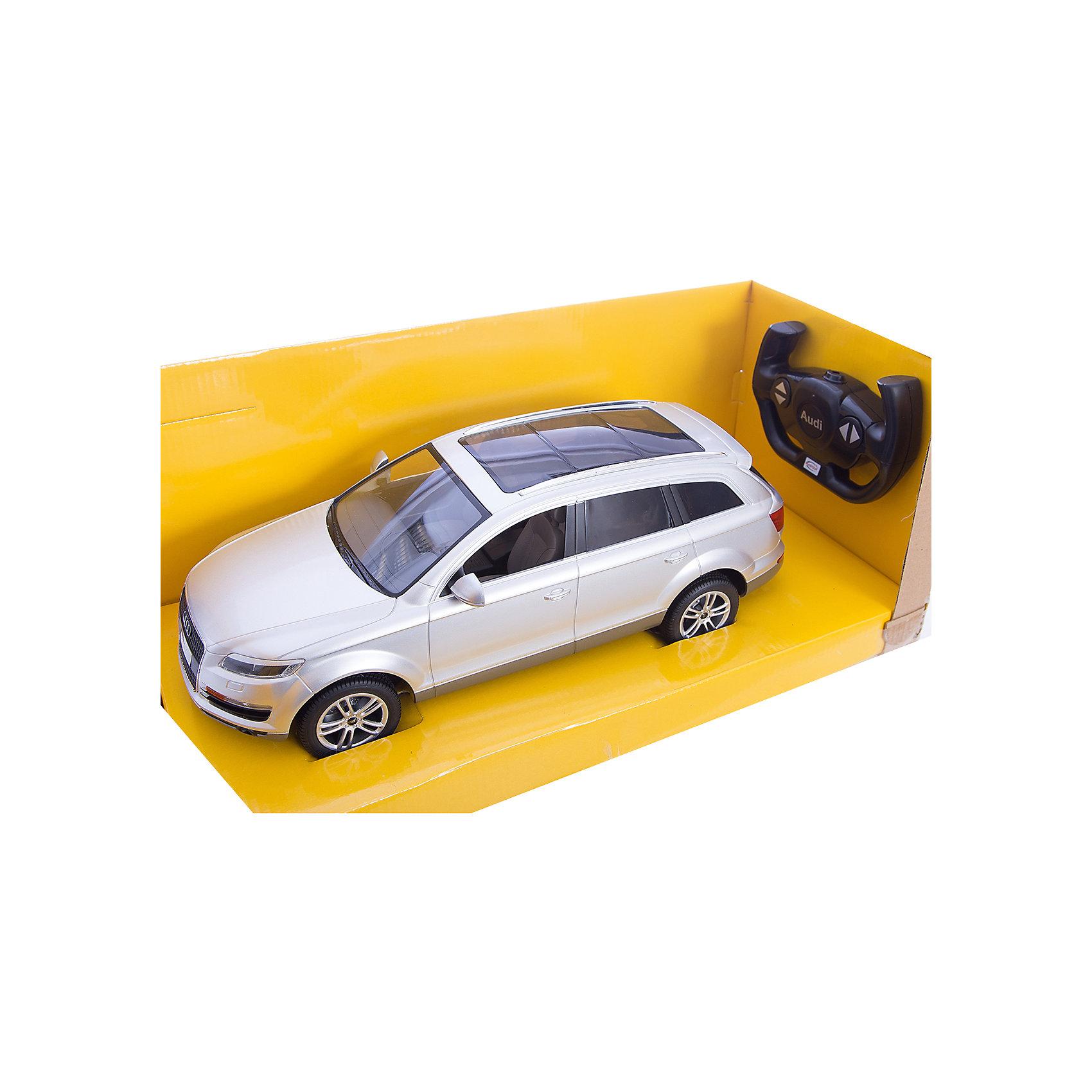 Машина AUDI Q7 1:14, свет, на р/у, RASTAR, серебристыйКоллекционные модели<br>Радиоуправляемая модель автомобиля Audi Q7 от Rastar выполнена в масштабе 1:14 из металла с пластмассовыми деталями — точная копия оригинального автомобиля. Автомобиль может двигаться вперед, назад, влево, вправо со скоростью до 12 км/ч. При движении вперед у автомобиля светятся фары. Радиус управления игрушкой до 35 метров.  При игре с автомобилем отлично развиваются логическое мышление и  координация движений.  Радиоуправляемая машина Audi Q7 от Rastar обрадует любого мальчишку!  Дополнительная информация:  - Пульт радиоуправления на частоте 27MHz. - Материал: металл, высококачественная пластмасса - Размеры упаковки(ДхШхВ): 22 x 46 x 20 см - Размеры автомобиля(ДхШхВ):  36x14x12 см - Батарейки: 5 х АА, 1 х «Крона». В комплект не входят. - Вес: 1,58 кг  Машину AUDI Q7 1:14, свет, на р/у, RASTAR можно купить в нашем интернет-магазине.<br><br>Ширина мм: 200<br>Глубина мм: 220<br>Высота мм: 460<br>Вес г: 1580<br>Возраст от месяцев: 36<br>Возраст до месяцев: 144<br>Пол: Мужской<br>Возраст: Детский<br>SKU: 4838262