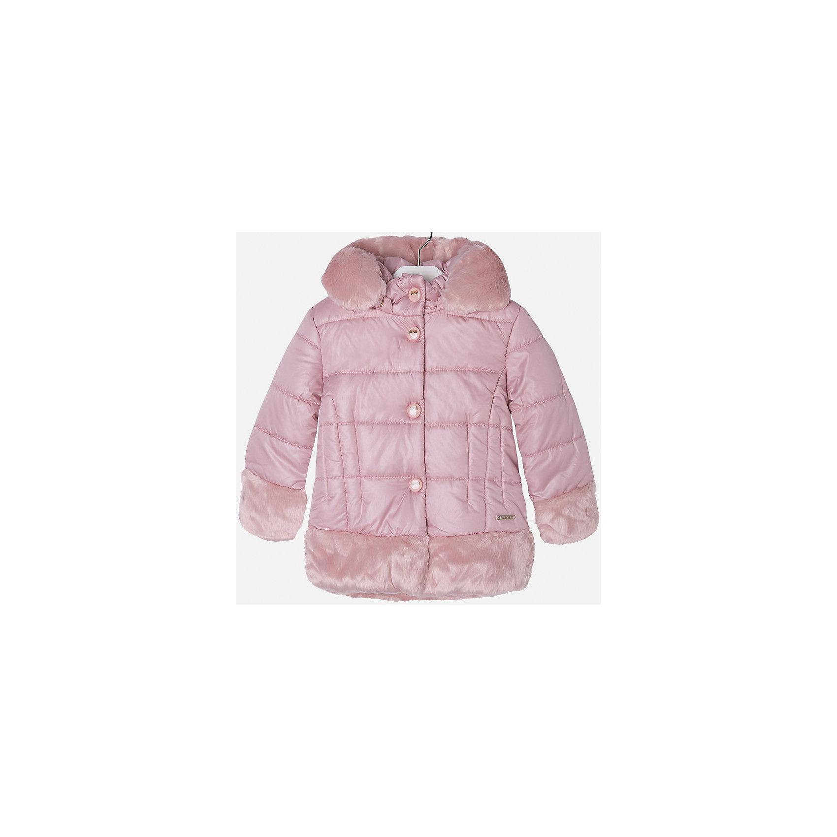 Куртка для девочки MayoralВерхняя одежда<br>Куртка для девочки из коллекции осень-зима 2016-2017 известного испанского бренда Mayoral (Майорал). Удобная и красивая отднотонная куртка без рисунка. Приятный нежно-розовый цвет в сочетании с плюшевыми манжетами, низом куртки и каймой капюшона придутся по вкусу вашей моднице. Плащевая ткань основной части куртки непромокаемая и не пропускает ветер. Куртка отлично подойдет как к юбкам и брюкам, так и к джинсам. Застегивается на молнию и кнопки. Куртка имеет качественный крой и маленькую пластинку с наименованием бренда на лицевой стороне спереди.<br><br>Дополнительная информация:<br>- Длина: удлиненная <br>- Силуэт: прямой <br>- Утеплитель: синтепон, плотность 120 г/кв.м<br>Состав: 100 % полиэстер<br><br>Куртку для девочки Mayoral (Майорал) можно купить в нашем интернет-магазине.<br><br>Подробнее:<br>• Для детей в возрасте: от 8 до 14 лет<br>• Номер товара: 4843795 <br>Страна производитель: Китай<br><br>Ширина мм: 356<br>Глубина мм: 10<br>Высота мм: 245<br>Вес г: 519<br>Цвет: розовый<br>Возраст от месяцев: 24<br>Возраст до месяцев: 36<br>Пол: Женский<br>Возраст: Детский<br>Размер: 98,128,116,110,134,104,122<br>SKU: 4843794
