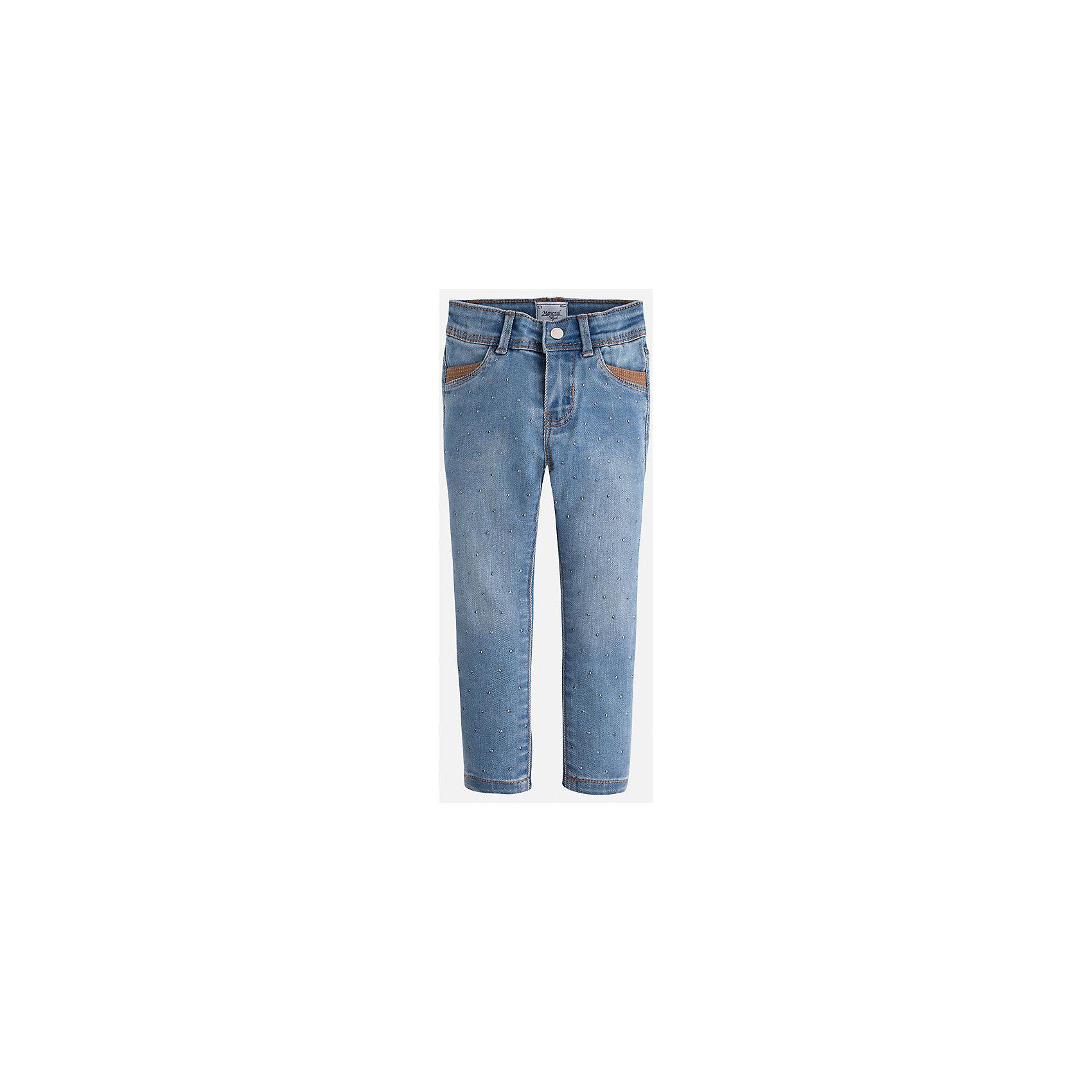 Джинсы для девочки MayoralДжинсы<br>Джинсы для девочки из коллекции осень-зима 2016-2017 известного испанского бренда Mayoral (Майорал). Джинсы на каждый день приятного джинсового светло-синего цвета. Полуоблегающий крой и стильные украшения в виде металлических крапинок придутся по вкусу вашей моднице. Джинсы имеют четыре кармана и заужены к низу.<br><br>Дополнительная информация:<br>- Силуэт прямой, зауженный к низу<br>Состав: хлопок 68%, полиэстер 20%, вискоза 10%, эластан 2%<br><br>Джинсы для девочки Mayoral (Майорал) можно купить в нашем интернет-магазине.<br>.<br>Подробнее:<br>• Для детей в возрасте: от 4  до 9 лет<br>• Номер товара: 4843943<br>Страна производитель: Индия<br><br>Ширина мм: 215<br>Глубина мм: 88<br>Высота мм: 191<br>Вес г: 336<br>Цвет: голубой<br>Возраст от месяцев: 18<br>Возраст до месяцев: 24<br>Пол: Женский<br>Возраст: Детский<br>Размер: 92,134,128,110,122,116,104,98<br>SKU: 4843942