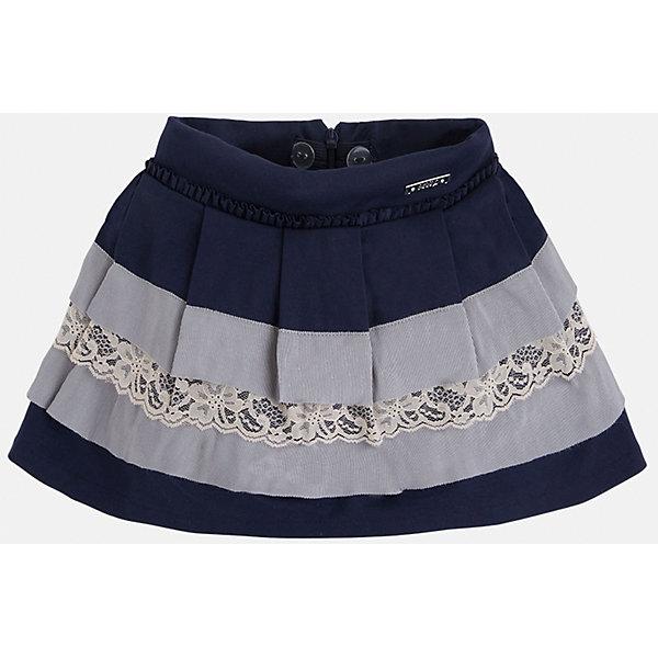 Юбка для девочки MayoralОдежда<br>Юбка для девочка от известного испанского бренда Mayoral(Майорал). Модель изготовлена из качественных материалов, приятных на ощупь. Юбка застегивается на молнию, украшена оборками, нежными кружевами. Контрастный дизайн юбки отлично смотрится на юной моднице!<br>Дополнительная информация:<br>-сзади застегивается на молнию<br>-украшена кружевами и оборками<br>-цвет: синий/серый<br>-состав: 71% вискоза, 26% полиамид, 3% эластан; подкладка: 80% полиэстер, 20% хлопок<br>Юбку Mayoral(Майорал) можно приобрести в нашем интернет-магазине.<br><br>Ширина мм: 207<br>Глубина мм: 10<br>Высота мм: 189<br>Вес г: 183<br>Цвет: синий<br>Возраст от месяцев: 48<br>Возраст до месяцев: 60<br>Пол: Женский<br>Возраст: Детский<br>Размер: 110,134,104,98,116,122,128<br>SKU: 4844247