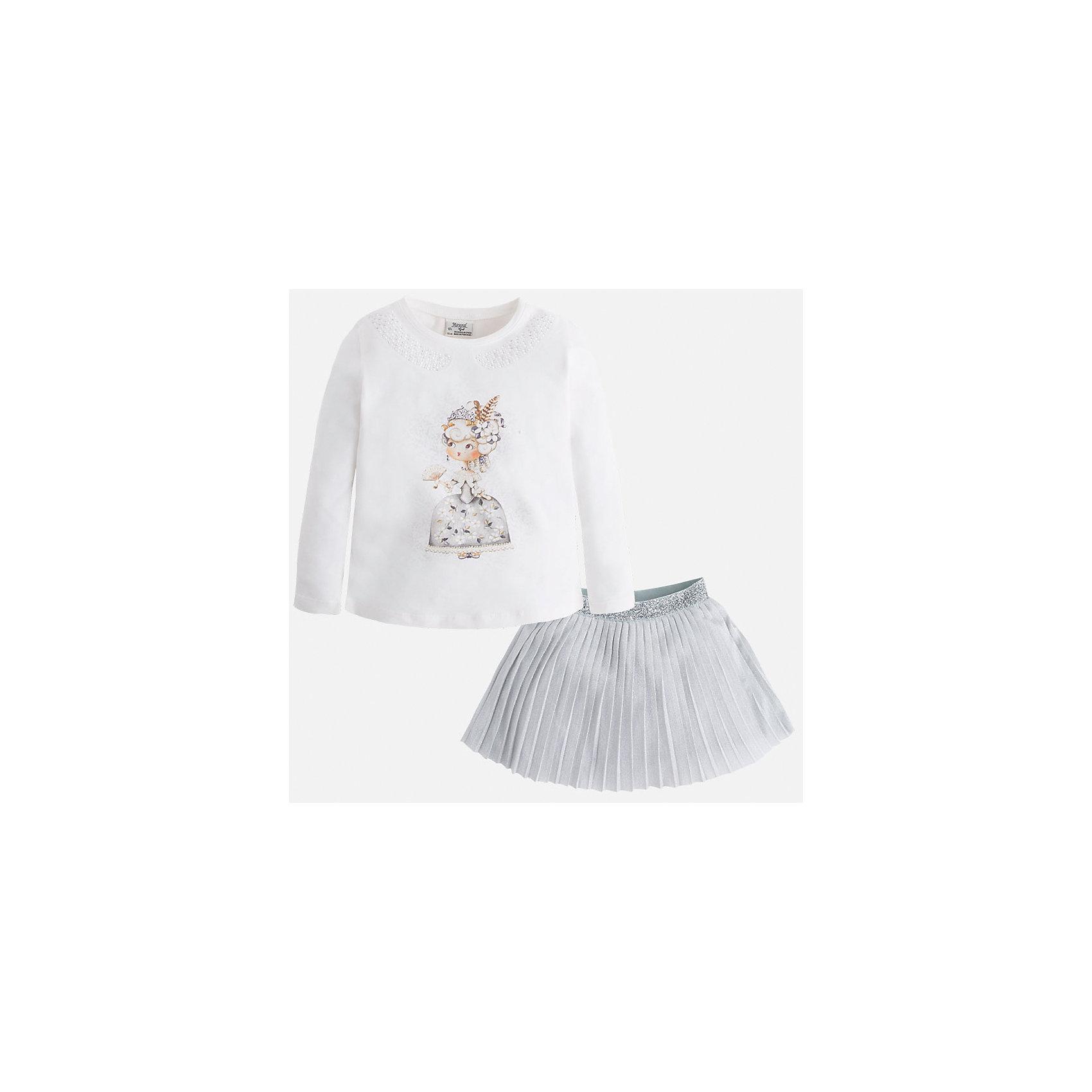 Комплект:топ и юбка для девочки MayoralКомплект из топа и юбки для девочки от популярного испанского бренда Mayoral(Майорал). Комплект изготовлен из хлопка высокого качества, приятного телу. Плиссированная юбка с блестящей вышивкой и топ нежного белого цвета с принтом прекрасно сочетаются и отлично подойдут для прогулок!<br>Дополнительная информация:<br>-длинные рукава<br>-красивый принт спереди<br>-цвет: серый/белый<br>-состав. топ: 92% хлопок, 8% эластан. Юбка 66% полиэстер, 30% люрекс, 4% эластан; подкладка: 100% хлопок<br>Комплект из топа и юбки можно купить в нашем интернет-магазине.<br><br>Ширина мм: 207<br>Глубина мм: 10<br>Высота мм: 189<br>Вес г: 183<br>Цвет: серый<br>Возраст от месяцев: 24<br>Возраст до месяцев: 36<br>Пол: Женский<br>Возраст: Детский<br>Размер: 98,134,104,122,110,116,128<br>SKU: 4844624