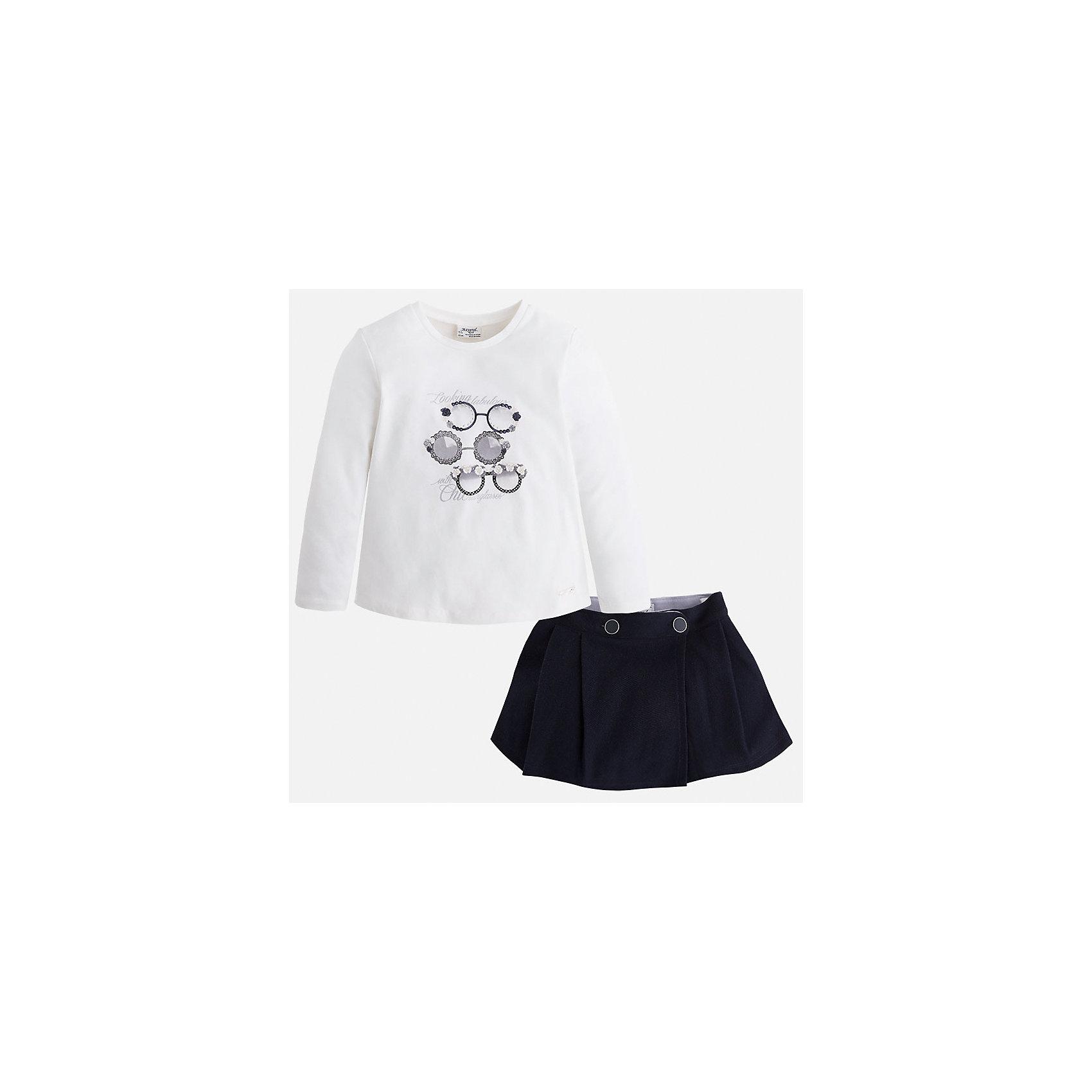 Комплект:футболка и юбка для девочки MayoralКомплекты<br>Комплект из топа и юбки от известного испанского бренда Mayoral(Майорал). Юбка с двумя застежками-пуговицами, топ легкого белого цвета с забавным принтом спереди. Изделия выполнены из качественных дышащих материалов. Прекрасный вариант для повседневной носки!<br>Дополнительная информация:<br>-длинные рукава<br>-застежки-пуговицы на юбке<br>-топ украшен оригинальным принтом<br>-цвет: темно-синий/белый<br>-состав. топ: 95% хлопок, 5% эластан. юбка: 100% полиэстер; подкладка: 65% полиэстер, 35% хлопок<br>Комплект из топа и юбки Mayoral(Майорал) вы можете приобрести в нашем интернет-магазине.<br><br>Ширина мм: 207<br>Глубина мм: 10<br>Высота мм: 189<br>Вес г: 183<br>Цвет: синий<br>Возраст от месяцев: 60<br>Возраст до месяцев: 72<br>Пол: Женский<br>Возраст: Детский<br>Размер: 116,110,104,134,98,122,128<br>SKU: 4844640