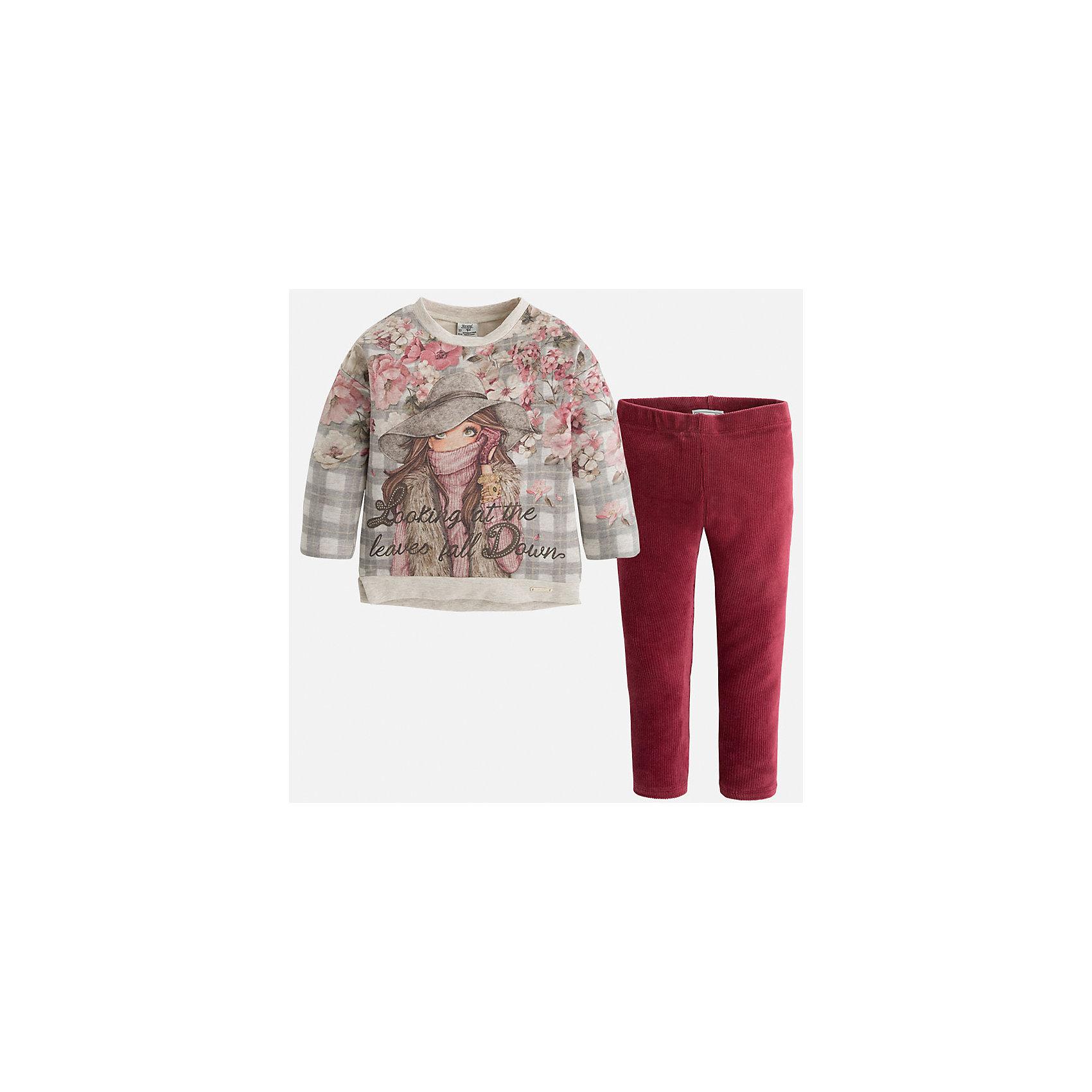 Комплект: футболка и леггинсы для девочки MayoralСтильный комплект для девочки от Mayoral состоит из футболки с длинным рукавом и леггинсов. Футболка комбинированной расцветки оформлена оригинальным принтом с металлическими бусинками. Леггинсы на поясе с резинкой отлично облегают фигуру и не сковывают движения. Комплект выполнен из приятного на ощупь трикотажного материала. <br><br>Дополнительная информация:<br><br>- Мягкий трикотажный материал. <br>- Комплектация: леггинсы, футболка. <br>- Округлый вырез горловины. <br>- Оригинальный принт спереди. <br>- Леггинсы контрастной расцветки на поясе с резинкой. <br>Состав:<br>57% хлопок, 38% полиэстер, 5% эластан. <br><br>Комплект: футболку и леггинсы для девочки Mayoral (Майорал), серый/бордовый, можно купить в нашем магазине.<br><br>Ширина мм: 123<br>Глубина мм: 10<br>Высота мм: 149<br>Вес г: 209<br>Цвет: розовый<br>Возраст от месяцев: 96<br>Возраст до месяцев: 108<br>Пол: Женский<br>Возраст: Детский<br>Размер: 134,122,110,92,116,98,104,128<br>SKU: 4844916