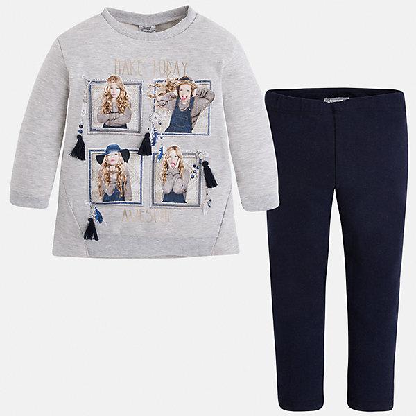 Комплект для девочки: футболка и леггинсы MayoralКомплекты<br>Стильный комплект от Mayoral состоит из футболки с длинным рукавом и леггинсов контрастной расцветки. Футболка оформлена оригинальным принтом с объемными элементами. Леггинсы на поясе с резинкой отлично облегают фигуру, не вытягиваются во время стирки и носки. Комплект выполнен из приятного на ощупь трикотажного материала. <br><br>Дополнительная информация:<br><br>- Мягкий трикотажный материал. <br>- Комплектация: леггинсы, футболка. <br>- Округлый вырез горловины. <br>- Оригинальный принт спереди. <br>- Манжеты и горловина в рубчик.<br>- Леггинсы контрастной расцветки на поясе с резинкой. <br>Состав:<br>- 60% хлопок, 35% полиэстер, 5% эластан.<br><br>Комплект: футболку и леггинсы для девочки Mayoral (Майорал), серый/темно-синий, можно купить в нашем магазине.<br><br>Ширина мм: 123<br>Глубина мм: 10<br>Высота мм: 149<br>Вес г: 209<br>Цвет: синий<br>Возраст от месяцев: 18<br>Возраст до месяцев: 24<br>Пол: Женский<br>Возраст: Детский<br>Размер: 92,116,128,122,134,110,104,98<br>SKU: 4844961