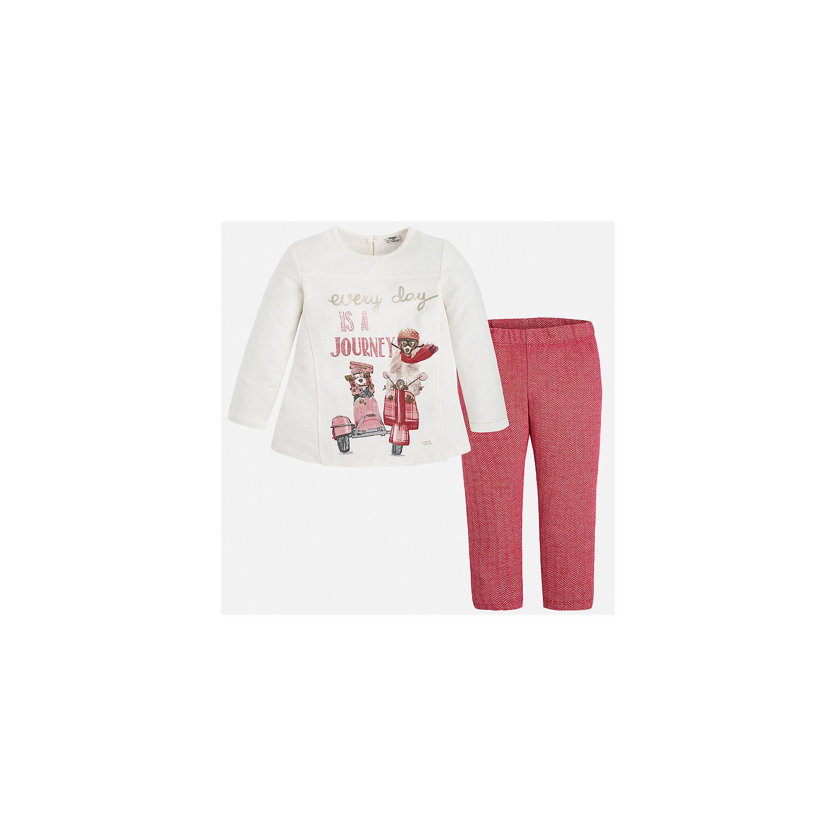 Комплект для девочки: футболка и леггинсы MayoralЯркий комплект от Mayoral состоит из футболки с длинным рукавом и леггинсов контрастной расцветки. Футболка оформлена оригинальным принтом с объемными элементами и вышивкой. Леггинсы из ткани в рубчик отлично облегают фигуру, не вытягиваются во время стирки и носки. Комплект выполнен из натурального хлопка, прекрасно пропускает воздух, очень приятен к телу.  <br><br>Дополнительная информация:<br><br>- Мягкий трикотажный материал. <br>- Комплектация: леггинсы, футболка. <br>- Округлый вырез горловины. <br>- Футболка застегивается на пуговицу сзади. <br>- Оригинальный принт спереди. <br>- Леггинсы на поясе с резинкой.<br>Состав:<br>- 100% хлопок.<br><br>Комплект: футболку и леггинсы для девочки Mayoral (Майорал), кремовый/красный, можно купить в нашем магазине.<br><br>Ширина мм: 123<br>Глубина мм: 10<br>Высота мм: 149<br>Вес г: 209<br>Цвет: красный<br>Возраст от месяцев: 24<br>Возраст до месяцев: 36<br>Пол: Женский<br>Возраст: Детский<br>Размер: 122,110,104,116,134,128,98<br>SKU: 4844970