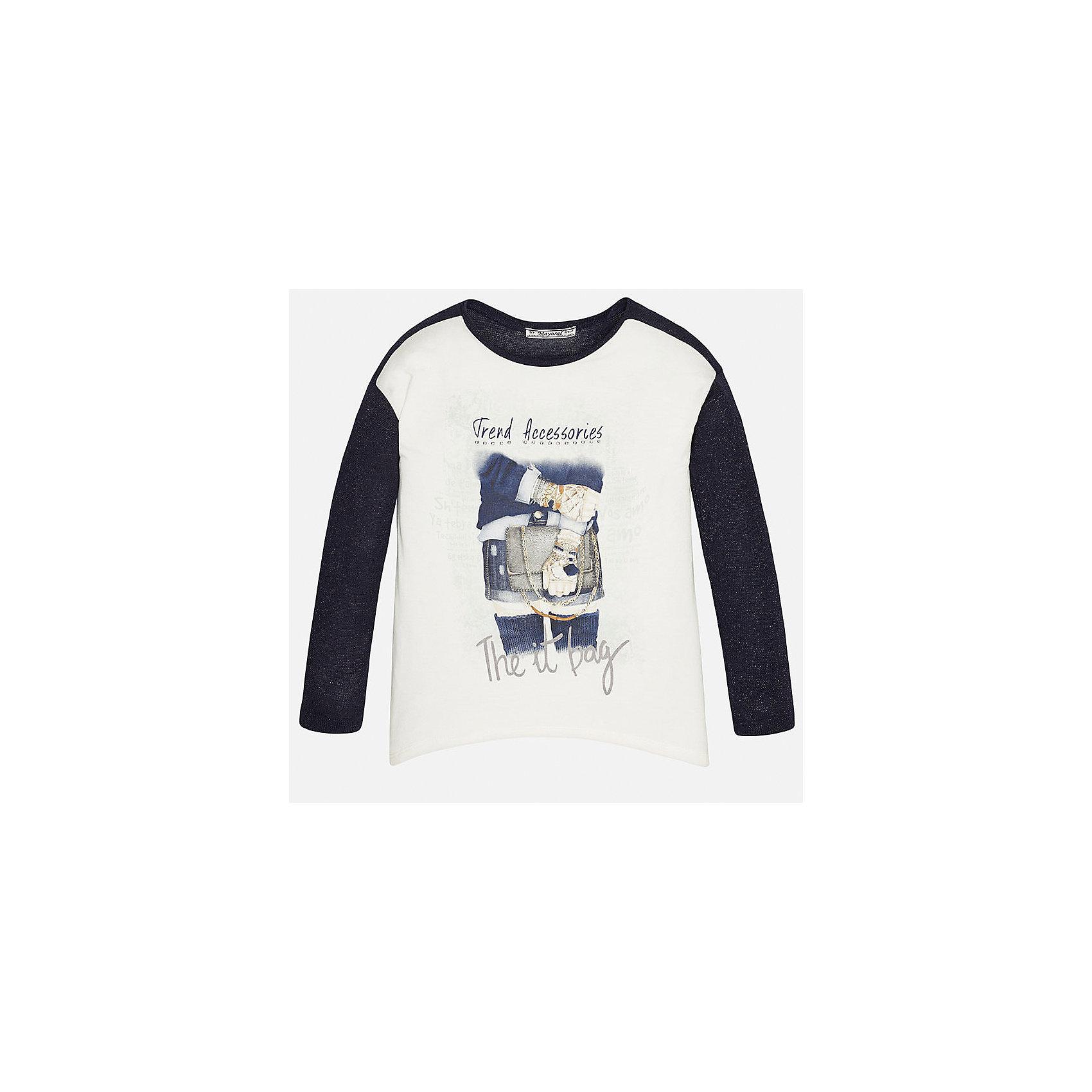 Футболка с длинным рукавом для девочки MayoralФутболки с длинным рукавом<br>Футболка для девочки от известного испанского бренда Mayoral (Майорал). Эта модная и удобная футболка с длинным рукавом сочетает в себе стиль и простоту. Приятный насыщенный синий цвет прекрасно сочетается с белыми деталями и интересным фото-принтом, что придет по вкусу вашей моднице. У футболки прямой свободный крой с удлиненными боковыми частями. Отличное пополнение для сезона осень-зима. К этой футболке подойдут как классические юбки, так и джинсы или штаны спортивного кроя. <br><br>Дополнительная информация:<br><br>- Силуэт: прямой<br>- Рукав: длинный<br>- Длина: удлиненная по бокам<br><br>Состав: 42% полиэстер, 39% вискоза, 14% металлизированная фибра, 5% эластан <br>Футболку для девочки Mayoral (Майорал) можно купить в нашем интернет-магазине.<br><br>Подробнее:<br>• Для детей в возрасте: от 8 до 16 лет<br>• Номер товара: 4845096<br>Страна производитель: Индия<br><br>Ширина мм: 199<br>Глубина мм: 10<br>Высота мм: 161<br>Вес г: 151<br>Цвет: синий<br>Возраст от месяцев: 156<br>Возраст до месяцев: 168<br>Пол: Женский<br>Возраст: Детский<br>Размер: 158/164,164/170,134/140,152/158,128/134,146/152<br>SKU: 4845096