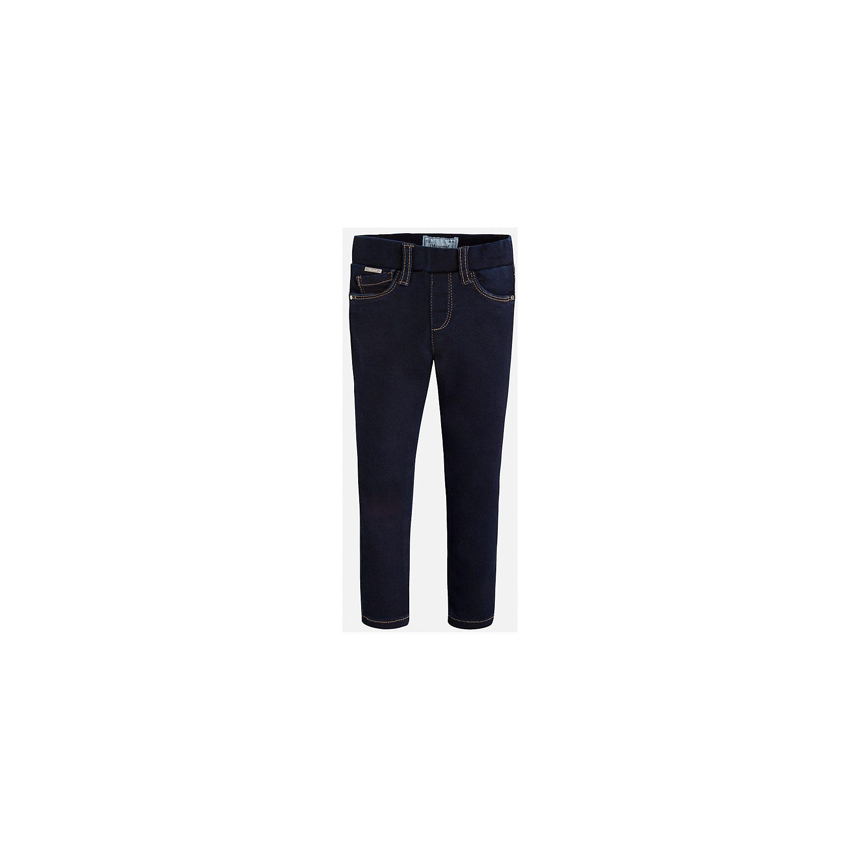 Леггинсы джинсовые для девочки MayoralДжинсовая одежда<br>Леггинсы - удобный и практичный вариант на каждый день, прекрасно сочетаются с любой одеждой.  Модель на эластичном поясе с резинкой дополнена пятью классическими карманами. Леггинсы Mayoral изготовлены из высококачественного материала, отлично сидят на фигуре, не сковывают движения, декорированы вышивкой на задних карманах.<br><br>Дополнительная информация:<br><br>- Регулировка по объему с помощью внутренней резинки. <br>- Покрой: прямой. <br>- 5 классических карманов.<br>- Вышивка в виде сердечек. <br>Состав: <br>- 69% хлопок, 28% полиэстер, 3% эластан.<br><br>Леггинсы для девочки Mayoral (Майорал), темно-синие, можно купить в нашем магазине.<br><br>Ширина мм: 123<br>Глубина мм: 10<br>Высота мм: 149<br>Вес г: 209<br>Цвет: синий<br>Возраст от месяцев: 36<br>Возраст до месяцев: 48<br>Пол: Женский<br>Возраст: Детский<br>Размер: 104,122,98,92,128,110,116,134<br>SKU: 4845760
