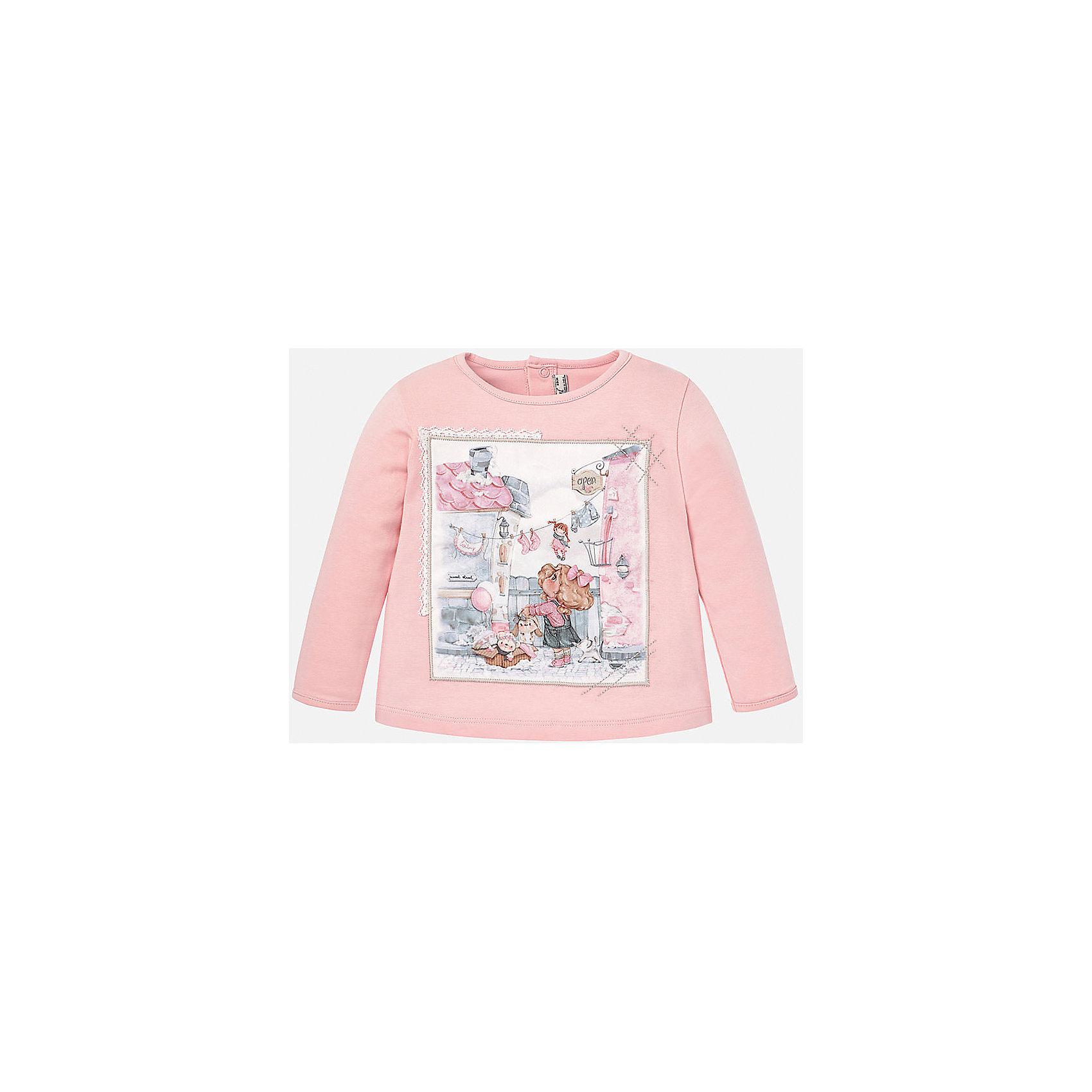 Футболка для девочки MayoralФутболка для девочки от известного испанского бренда Mayoral (Майорал). Эта модная и удобная футболка с длинным рукавом сочетает в себе стиль и простоту. Приятный кремовый розовый цвет и нежный фото-принт с девочкой придут по вкусу вашей моднице. У футболки свободный крой, слегка расширяющийся к низу. Футболка застегивается сзади на две кнопочки. Отличное пополнение для сезона осень-зима. К этой футболке подойдут как классические юбки и брюки, так и джинсы или штаны спортивного кроя. <br><br>Дополнительная информация:<br><br>- Силуэт: расширяющийся к низу<br>- Рукав: укороченный<br>- Длина: средняя<br><br>Состав: 92% хлопок, 8% эластан<br><br>Футболку для девочки Mayoral (Майорал) можно купить в нашем интернет-магазине.<br><br>Подробнее:<br>• Для детей в возрасте: от 4 до 9 лет<br>• Номер товара: 4846014<br>Страна производитель: Индия<br><br>Ширина мм: 199<br>Глубина мм: 10<br>Высота мм: 161<br>Вес г: 151<br>Цвет: фиолетовый<br>Возраст от месяцев: 12<br>Возраст до месяцев: 15<br>Пол: Женский<br>Возраст: Детский<br>Размер: 80,74,92,86<br>SKU: 4846014