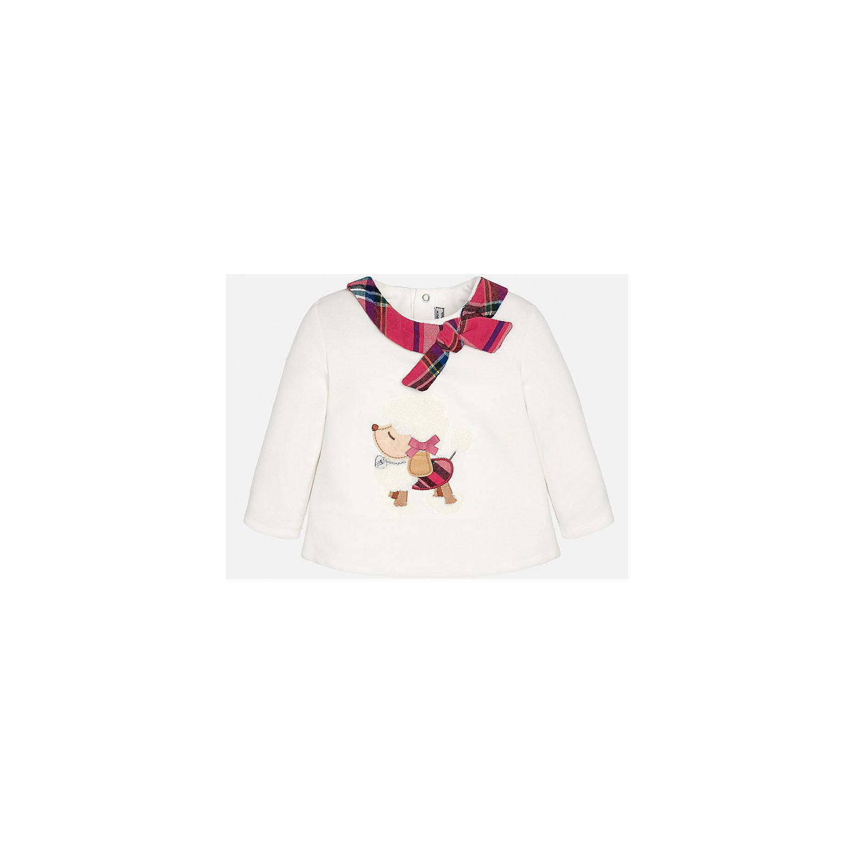 Свитер для девочки MayoralСвитер для девочки от известного испанского бренда Mayoral(Майорал) имеет длинные рукава и расширенный к низу силуэт. Модель застегивается на кнопки сзади. Спереди украшен аппликацией и декоративным шарфиком с бантом вокруг ворота. Этот стильный свитер обязательно должен быть в гардеробе любой модницы!<br><br>Дополнительная информация:<br>Состав: 57% хлопок, 38% полиэстер, 5% эластан<br>Цвет: белый<br>Вы можете купить свитер для девочки Mayoral(Майорал) в нашем интернет-магазине.<br><br>Ширина мм: 190<br>Глубина мм: 74<br>Высота мм: 229<br>Вес г: 236<br>Цвет: бежевый<br>Возраст от месяцев: 18<br>Возраст до месяцев: 24<br>Пол: Женский<br>Возраст: Детский<br>Размер: 92,74,80,86<br>SKU: 4846064