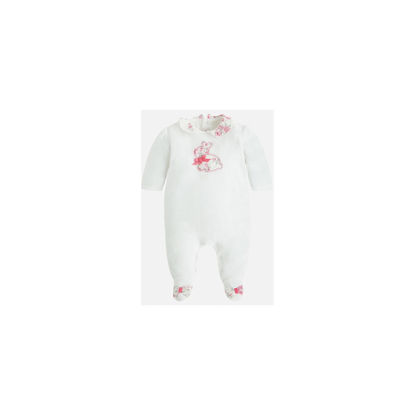 Пижама для девочки MayoralКрасивая и уютная пижама для новорожденных от испанской торговой марки    Майорал -Mayoral . Застежки-кнопки по всей длине модели позволяют легко снимать и одевать пижаму. Спереди небольшая вышивка зайчонка. У пижамы закрытые ножки и открытые ручки.<br><br>Дополнительная информация: <br><br>- цвет:  розовый<br>- состав: хлопок 80%, полиэстер 20%<br>- длина рукава: длинные<br>- фактура материала: текстильный<br>- вид застежки: кнопки<br>- уход за вещами: бережная стирка при 30 градусах<br>- рисунок: без  рисунка<br>- назначение: повседневная<br>- сезон: круглогодичный<br>- пол: девочки<br>- страна бренда: Испания<br>- комплектация: пижама<br><br>Пижаму для девочки торговой марки    Майорал  можно купить в нашем интернет-магазине.<br><br>Ширина мм: 281<br>Глубина мм: 70<br>Высота мм: 188<br>Вес г: 295<br>Цвет: бежевый<br>Возраст от месяцев: 24<br>Возраст до месяцев: 36<br>Пол: Женский<br>Возраст: Детский<br>Размер: 50,56,62,68<br>SKU: 4846129