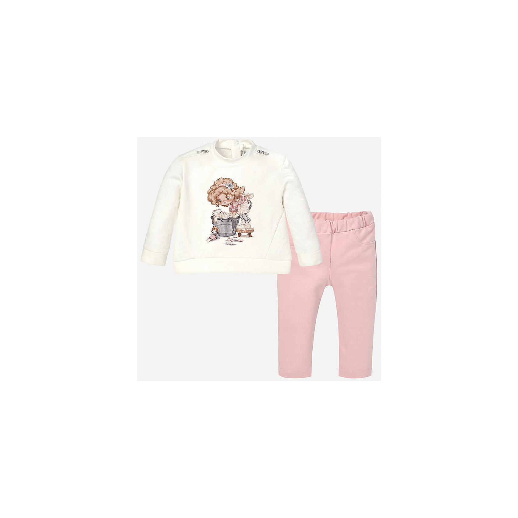 Комплект: футболка с длинным рукавом и леггинсы для девочки MayoralКомплекты<br>Комплект лонгслив+леггинсы нежного розового  цвета торговой марки    Майорал -Mayoral. В комплект входит футболка и леггинсы. Футболка выполнена в нежных розово-белых тонах и декорирована девочкой с ведром спинке есть застежка с кнопками. Леггинсы однотонные с плотной резинкой на поясе.<br><br>Дополнительная информация: <br><br>-цвет: кремовый<br>-состав: хлопок 97%,эластан 3%<br>-длина рукава: длинные<br>-параметры брючин: ширина брючин - низ: 12 см; длина по внутреннему шву: 21 см<br>-вид застежки: без застежки<br>-покрой: прямой<br>-фактура материала: трикотажный<br>-тип карманов: без карманов<br>-уход за вещами: бережная стирка при 30 градусах<br>-рисунок: без рисунка<br>-длина изделия: верх: 40 см; низ: 35 см<br>-плотность: утеплителя: 0 г/кв.м<br>-утеплитель: без утепления<br>-назначение: повседневная<br>-сезон: круглогодичный<br>-пол: девочки<br>-страна бренда: Испания<br>-страна производитель: Индия<br>-комплектация: леггинсы<br><br>Комплект торговой марки    Майорал  можно купить в нашем интернет-магазине.<br><br>Ширина мм: 123<br>Глубина мм: 10<br>Высота мм: 149<br>Вес г: 209<br>Цвет: фиолетовый<br>Возраст от месяцев: 6<br>Возраст до месяцев: 9<br>Пол: Женский<br>Возраст: Детский<br>Размер: 74,92,86,80<br>SKU: 4846184