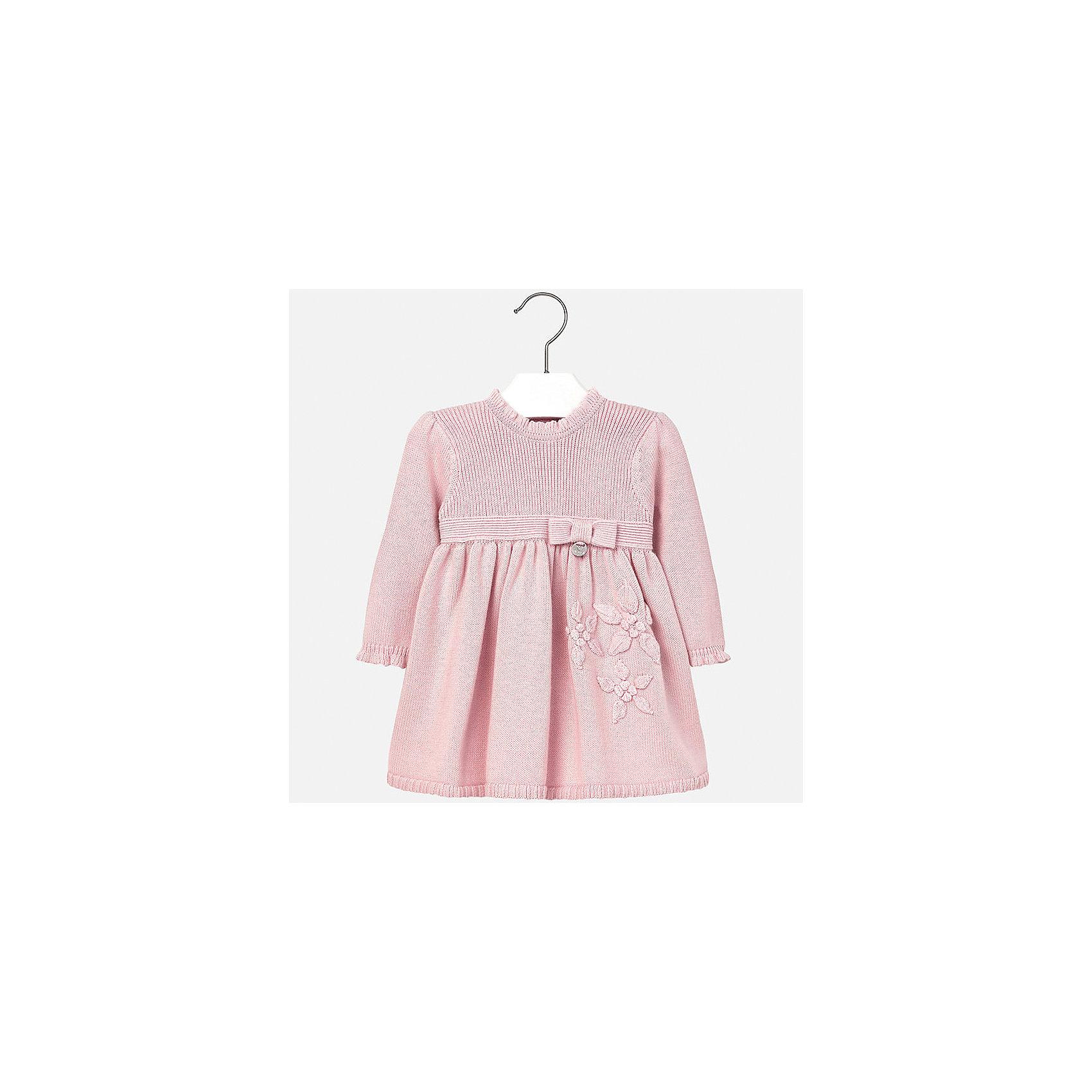 Платье для девочки MayoralОчаровательно вязаное платье займет достойное место в гардеробе юной модницы. Модель оформлена вязаными декорами в виде цветов, маленьким бантиком с металлической подвеской и оборками по горловине и манжетам. Прекрасный вариант для любого случая! <br><br>Дополнительная информация:<br><br>- Мягкий вязаный материал. <br>- Длинный рукав.<br>- Округлый вырез горловины. <br>- Нежный вязаные цветы.<br>- Бантик на поясе.<br>- Застегивается на пуговицы на спине. <br>Состав:<br>- 100% акрил.<br><br>Платье для девочки Mayoral (Майорал), розовое,  можно купить в нашем магазине.<br><br>Ширина мм: 236<br>Глубина мм: 16<br>Высота мм: 184<br>Вес г: 177<br>Цвет: розовый<br>Возраст от месяцев: 12<br>Возраст до месяцев: 15<br>Пол: Женский<br>Возраст: Детский<br>Размер: 80,74,86,92<br>SKU: 4846293