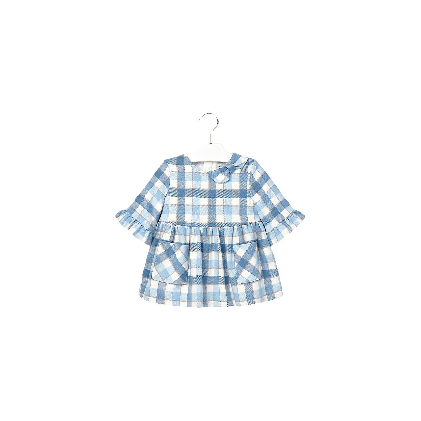 Платье для девочки MayoralОчаровательно клетчатое платье займет достойное место в гардеробе юной модницы. Модель декорирована кокетливым бантиком на плече и оборками на рукавах, имеет пышную юбку со складками, дополнена двумя накладными карманами спереди. Прекрасный вариант для любого случая! <br><br>Дополнительная информация:<br><br>- Длинный рукав .<br>- Округлый вырез горловины. <br>- Клетчатый принт.<br>- Кокетливый бантик на плече.<br>- 2 кармана. <br>- Застегивается на потайную молнию на спине.<br>Состав:<br>- верх - 66% полиэстер, 32% вискоза, 2% эластан; подкладка - 50% хлопок, 50% полиэстер. <br><br>Платье для девочки Mayoral (Майорал) можно купить в нашем магазине.<br><br>Ширина мм: 236<br>Глубина мм: 16<br>Высота мм: 184<br>Вес г: 177<br>Цвет: синий<br>Возраст от месяцев: 6<br>Возраст до месяцев: 9<br>Пол: Женский<br>Возраст: Детский<br>Размер: 74,92,80,86<br>SKU: 4846372
