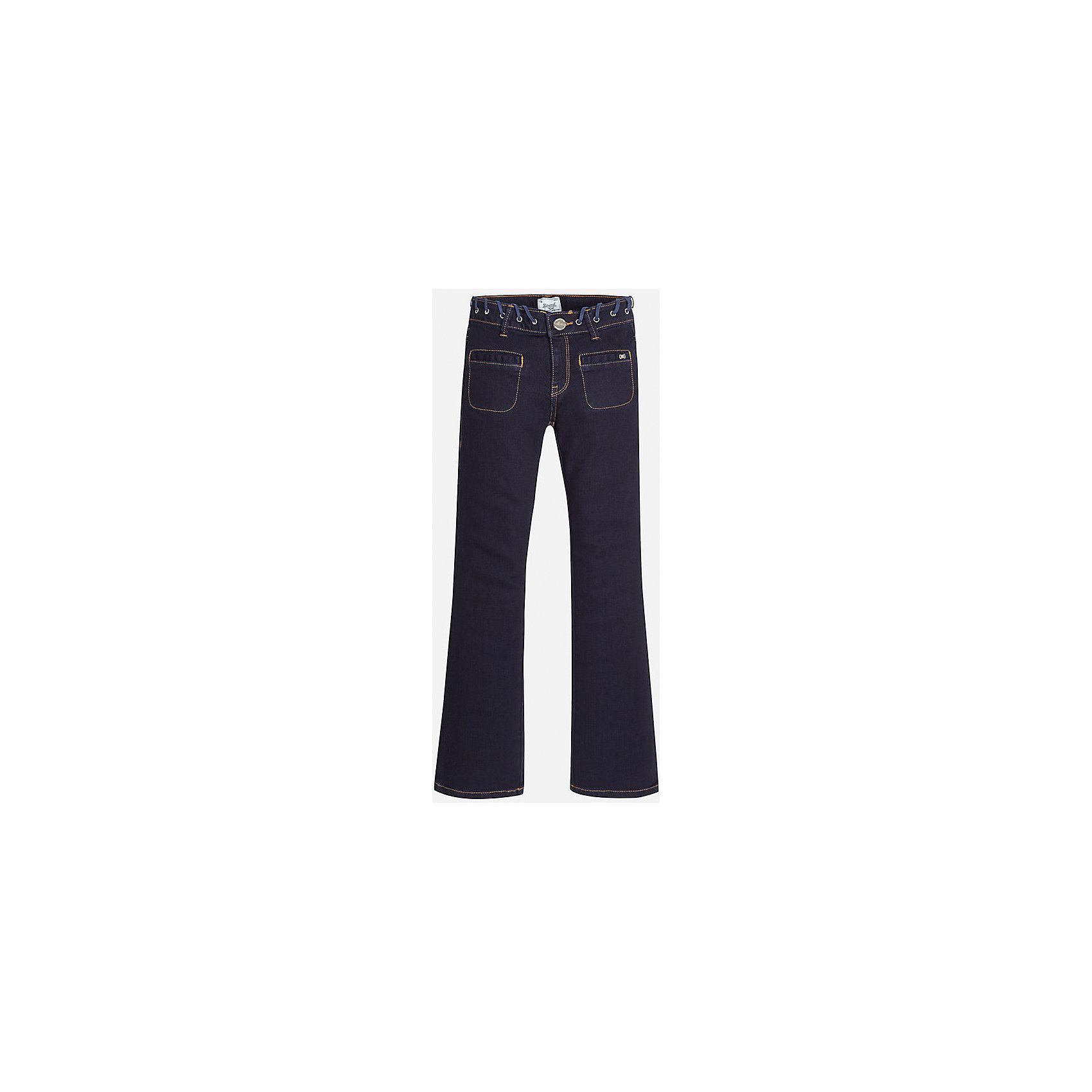 Джинсы для девочки MayoralДжинсовая одежда<br>Джинсы темно-синего цвета торговой марки    Майорал -Mayoral для девочек.<br>Стильные расклешенные  джинсы выполнены из хлопка и украшены декаративным пояском, а также имитацией карманов с вставками. Модель дополнена шлевками для ремня и функциональными задними карманами. Джинсы застегиваются на удобную молнию. <br><br>Дополнительная информация: <br><br>- цвет: темно-синий<br>- состав: хлопок 98%,  эластан 2%, <br>- фактура материала: текстильный<br>- тип карманов: без карманов<br>- уход за вещами: бережная стирка при 30 градусах<br>- рисунок: с рисунком<br>- назначение: повседневная<br>- сезон: круглогодичный<br>- пол: девочки<br>- страна бренда: Испания<br>- страна производитель: Индия<br>- комплектация: брюки<br><br>Джинсы торговой марки    Майорал -Mayoral для девочек можно купить в нашем интернет-магазине..<br><br>Ширина мм: 215<br>Глубина мм: 88<br>Высота мм: 191<br>Вес г: 336<br>Цвет: синий<br>Возраст от месяцев: 168<br>Возраст до месяцев: 180<br>Пол: Женский<br>Возраст: Детский<br>Размер: 164/170,128/134,134/140,146/152,152/158,158/164<br>SKU: 4847353