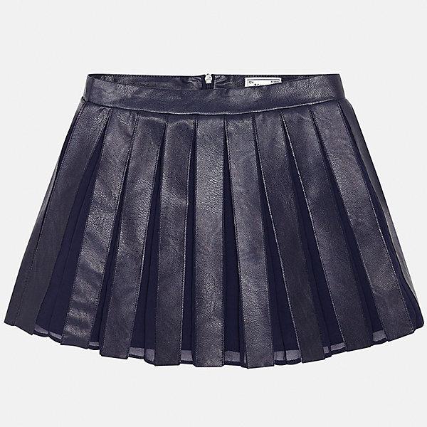 Юбка для девочки MayoralЮбки<br>Юбка для девочки Mayoral (Майорал) от известного испанского бренда Mayoral. Плиссированная расклешенная юбка темно-синего цвета выполнена из сочетания эко-кожи и полиэстера. Спереди юбки имеются складки средней ширины. Подклад юбки выполнен из 100% хлопка. Юбка имеет среднюю посадку, хорошо держит форму, сзади застегивается на потайную молнию. Юбка имеет элегантный и стильный вид, благодаря этому ее можно использовать как для повседневной носки, так и как праздничный вариант одежды.  <br><br>Дополнительная информация:<br><br>- Предназначение: повседневная одежда, праздничная одежда<br>- Цвет: темно-синий<br>- Пол: для девочки<br>- Состав: верх юбки – 74% полиуретан, 26% полиэстер; подклад – 100% хлопок<br>- Сезон: осень-зима<br>- Особенности ухода: ручная стирка<br><br>Подробнее:<br><br>• Для детей в возрасте: от 8 лет и до 16 лет<br>• Страна производитель: Китай<br>• Торговый бренд: Mayoral<br><br>Юбку для девочки Mayoral (Майорал) можно купить в нашем интернет-магазине.<br>Ширина мм: 207; Глубина мм: 10; Высота мм: 189; Вес г: 183; Цвет: синий; Возраст от месяцев: 168; Возраст до месяцев: 180; Пол: Женский; Возраст: Детский; Размер: 164/170,158/164,152/158,134/140,128/134,146/152; SKU: 4847486;