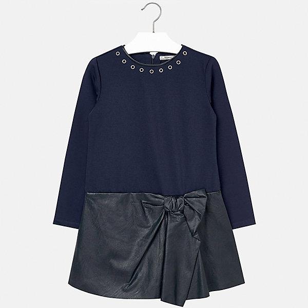 Платье для девочки MayoralПлатья и сарафаны<br>Платье для девочки Mayoral (Майорал) от известного испанского бренда Mayoral. Платье выполнено из сочетания трикотажа плотной двойной вязки и кожзаменителя высокого качества. У платья длинный рукав, сзади имеется потайная молния, юбка имеет оригинальное оформление с имитацией завязанного банта.  Круглая горловина обработана узким кантом из кожзаменителя, вдоль гогловины имеются  круглые металлические колечки. Верх изделия выполнен в темно-синем цвете, низ – черный. Платье из кожзаменителя идеально подойдет в качестве праздничного варианта одежды.<br><br>Дополнительная информация:<br><br>- Предназначение: праздничная одежда<br>- Цвет: темно-синий, черный<br>- Пол: для девочки<br>- Состав: 92% полиэстер, 8% эластан; подклад 100% хлопок<br>- Сезон: осень-зима<br>- Особенности ухода: стирка при температуре 30 градусов, химчистка, глажение<br><br>Подробнее:<br><br>• Для детей в возрасте: от 8 лет и до 16 лет<br>• Страна производитель: Китай<br>• Торговый бренд: Mayoral<br><br>Платье для девочки Mayoral (Майорал) можно купить в нашем интернет-магазине.<br><br>Ширина мм: 236<br>Глубина мм: 16<br>Высота мм: 184<br>Вес г: 177<br>Цвет: синий<br>Возраст от месяцев: 96<br>Возраст до месяцев: 108<br>Пол: Женский<br>Возраст: Детский<br>Размер: 146/152,152/158,134/140,164/170,158/164,128/134<br>SKU: 4847542