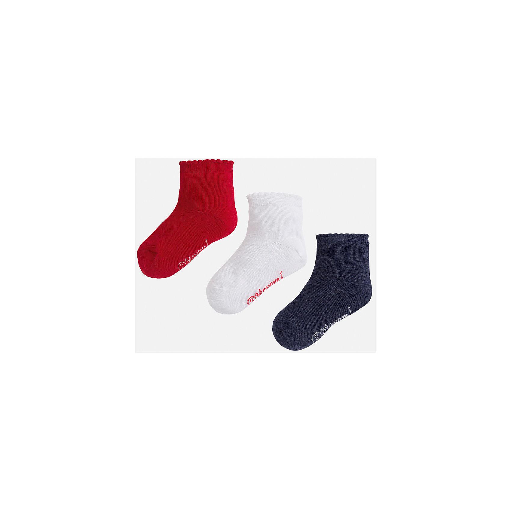 Носки,3 пары для девочки MayoralНосочки и колготки<br>Комплект из трех пар носков для девочки от популярного испанского бренда Mayoral(Майорал). Все носки изготовлены из качественных прочных материалов, приятных телу. <br><br>Дополнительная информация:<br>Состав: 75% хлопок, 23% полиэстер, 2% эластан<br>Цвет: красный/белый/темно-синий<br>Носки для девочки Mayoral(Майорал) можно купить в нашем интернет-магазине.<br><br>Ширина мм: 87<br>Глубина мм: 10<br>Высота мм: 105<br>Вес г: 115<br>Цвет: красный<br>Возраст от месяцев: 36<br>Возраст до месяцев: 48<br>Пол: Женский<br>Возраст: Детский<br>Размер: 28,32,27,29<br>SKU: 4847708