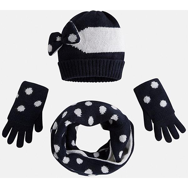 Комплект:шапка, шарф и перчатки для девочки MayoralГоловные уборы<br>Комплект: шапка, шарф и перчатки для девочки Mayoral от известного испанского бренда Mayoral. Оригинальный вязаный комплект выполнен из акриловой пряжи. Комплект состоит из шапки, шарфа-хомута и перчаток. Шарф и перчатки оформлены крупными горошинами в  технике интарсия; на шапке в этой же технике выполнены широкие полосы, сбоку темно-синий бантик с белыми горошинами. Шарф-хомут двусторонний: одна сторона белая с синими горошинами, вторая – синяя с белыми горошинами. Комплект устойчив к изменению формы и цвета. <br><br>Дополнительная информация:<br><br>- Предназначение: повседневная одежда<br>- Комплектация: шапка, шарф, перчатки <br>- Цвет: темно-синий, белый<br>- Пол: для девочки<br>- Состав: 100% акрил <br>- Сезон: осень-зима-весна<br>- Особенности ухода: стирка при температуре 30 градусов, разрешается химическая чистка, глажение <br><br>Подробнее:<br><br>• Для детей в возрасте: от 2 лет и до 9 лет<br>• Страна производитель: Китай<br>• Торговый бренд: Mayoral<br><br>Комплект: шапка, шарф и перчатки для девочки Mayoral (Майорал) можно купить в нашем интернет-магазине.<br><br>Ширина мм: 89<br>Глубина мм: 117<br>Высота мм: 44<br>Вес г: 155<br>Цвет: синий<br>Возраст от месяцев: 48<br>Возраст до месяцев: 72<br>Пол: Женский<br>Возраст: Детский<br>Размер: 52-54,54-56,48-50<br>SKU: 4847774