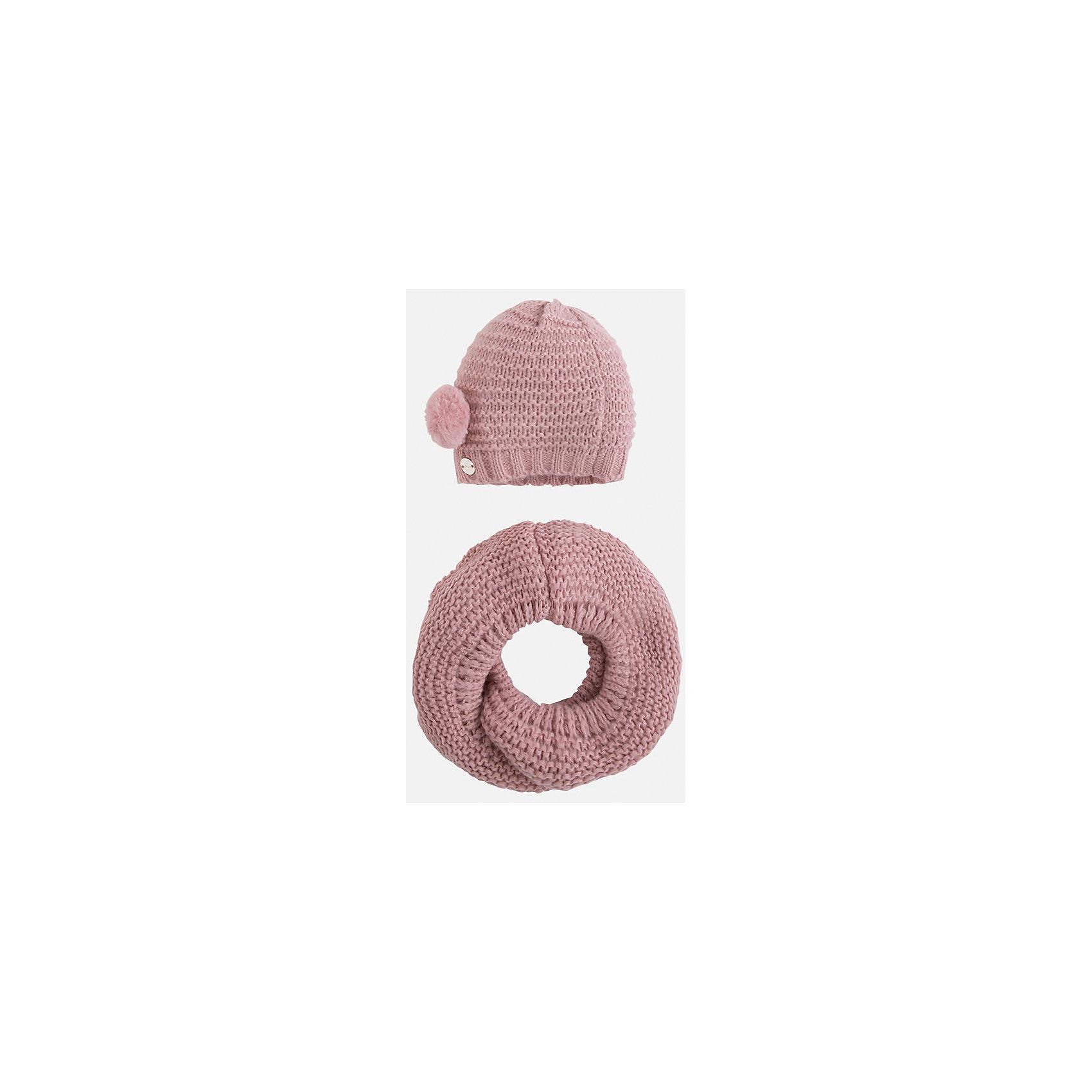 Комплект:шапка и шарф для девочки MayoralКомплект: шапка и шарф для девочки Mayoral от известного испанского бренда Mayoral. Вязаный комплект выполнен из акриловой пряжи с добавлением полиамида, что обеспечивает высокую износоустойчивость, сохранение формы и цвета даже при длительном использовании. Комплект состоит из шапки и шарфа, связанных крупной вязкой. Шапка имеет классическую форму, сбоку имеется небольшой помпон, выполненный из меха. <br><br>Дополнительная информация:<br><br>- Предназначение: повседневная одежда<br>- Комплектация: шапка, шарф<br>- Цвет: розовый<br>- Пол: для девочки<br>- Состав: 87% акрил, 13% полиамид<br>- Сезон: осень-зима-весна<br>- Особенности ухода: стирка при температуре 30 градусов, разрешается химическая чистка, глажение <br><br>Подробнее:<br><br>• Для детей в возрасте: от 2 лет и до 9 лет<br>• Страна производитель: Китай<br>• Торговый бренд: Mayoral<br><br>Комплект: шапка и шарф для девочки Mayoral (Майорал) можно купить в нашем интернет-магазине.<br><br>Ширина мм: 89<br>Глубина мм: 117<br>Высота мм: 44<br>Вес г: 155<br>Цвет: розовый<br>Возраст от месяцев: 72<br>Возраст до месяцев: 108<br>Пол: Женский<br>Возраст: Детский<br>Размер: 54-56,52-54,48-50<br>SKU: 4847798