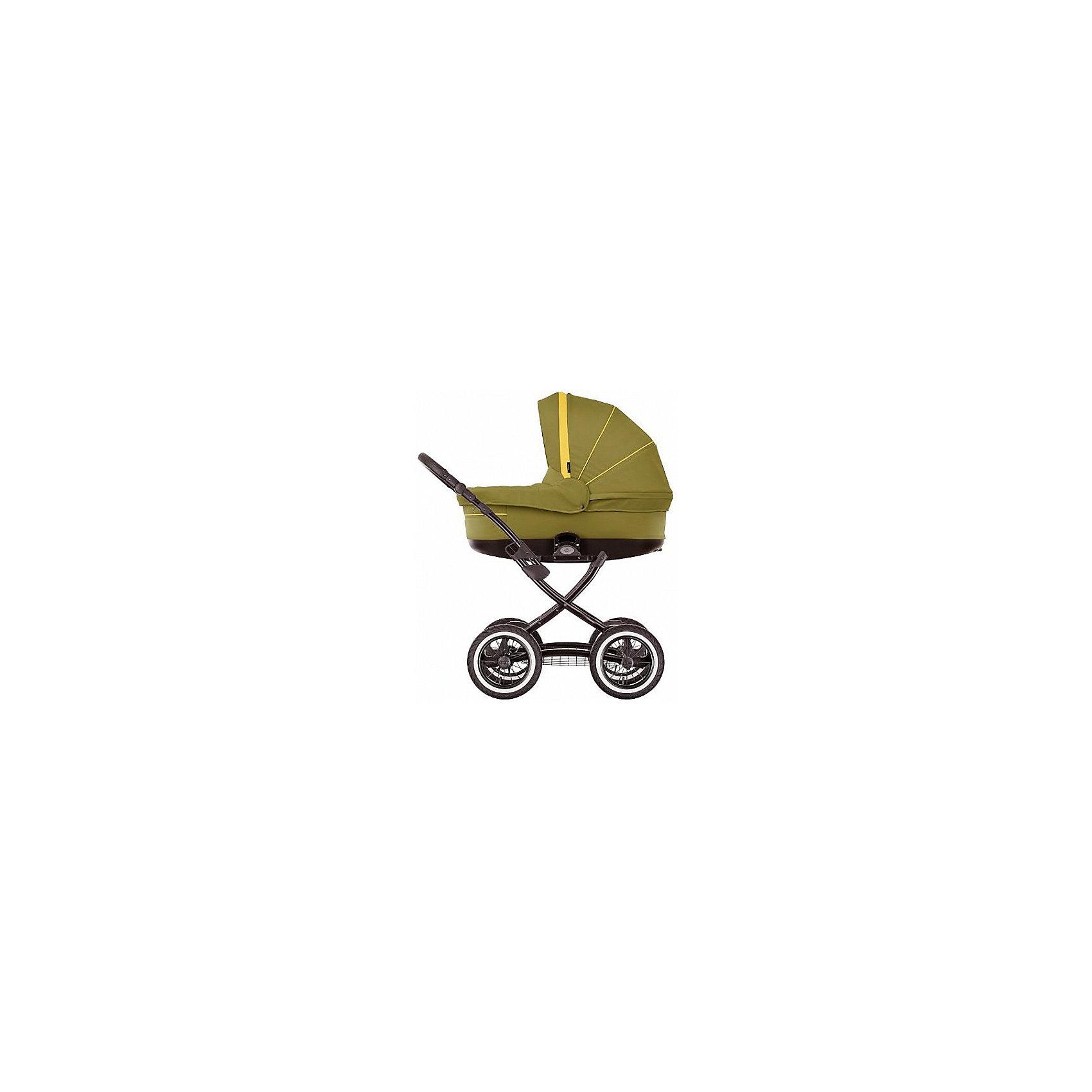 Коляска 2 в 1 Sun Sport, Noordi, зеленыйКоляска 2 в 1 Sun Sport, Noordi, зеленый (Нурди Сан Спорт) ? модель коляски для тех родителей, которые ценят неповторимый стиль и индивидуальность. Эта модель сочетает в себе лучшие качества классических колясок Нурди. Вместительная люлька, увеличенных размеров прогулочный блок, 5-ти точечные ремни безопасности, текстильные детали, выполненные их износоустойчивого текстильного материала ? вот основные характеристики этой коляски.<br>Коляска 2 в 1 Sun Sport, Noordi, зеленый маневренна, мобильна и компактна. С ней легко гулять даже на самые дальние расстояния.<br>Коляска 2 в 1 Sun Sport, Noordi – яркий дизайн, неповторимый стиль, долговечность и надедность в эксплуатации.<br><br>Дополнительная информация:<br><br>- Механизм складывания: книжка<br>- Цвет: зеленый<br>- Сезон: зима-лето<br>- Комплектация: чехол на ножки, сумка для мамы, силиконовый дождевик, антимоскитная сетка, закрепленная на люльке<br>- Ширина шасси: 59 см<br>- Диаметр колес: передние ? 23 см, задние ? 28 см<br>- Ручка: регулируется по высоте<br>- Размер люльки (ДxШ): 85х38<br>- Размер (ДxВхШ): 90х60х60 см<br>- Материал: водоотталкивающий текстиль, устойчивый к выгоранию и износу<br>- Вес 14,0 кг<br><br>Подробнее:<br><br>- Для детей в возрасте: от 0 месяцев до 3 лет<br><br>Страна производитель: Литва<br><br>Коляску 2 в 1 Sun Sport, Noordi, зеленый можно купить в нашем интернет-магазине.<br><br>Ширина мм: 900<br>Глубина мм: 600<br>Высота мм: 600<br>Вес г: 14000<br>Возраст от месяцев: 0<br>Возраст до месяцев: 36<br>Пол: Унисекс<br>Возраст: Детский<br>SKU: 4855086