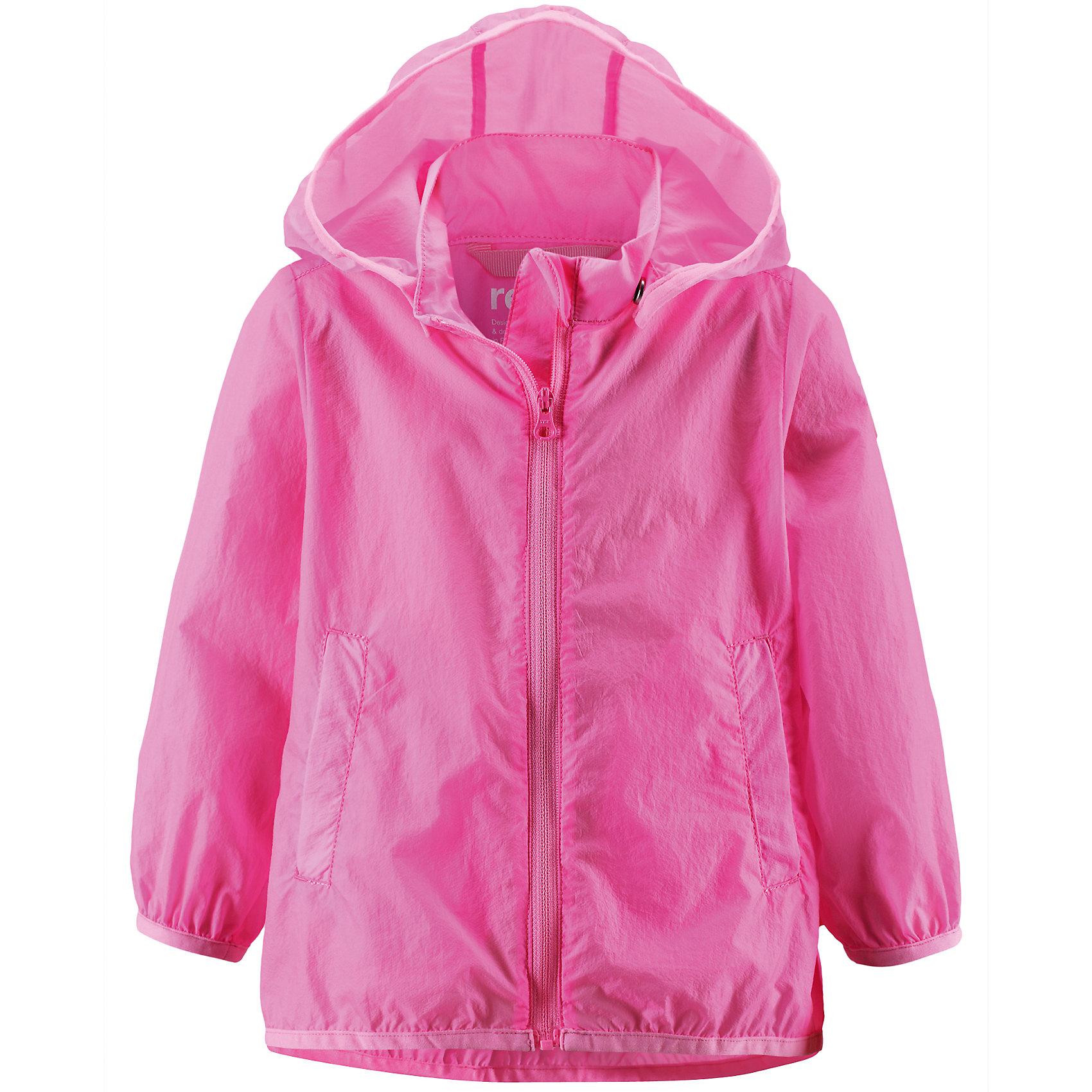 Куртка ReimaОдежда<br>Куртка Reima (Рейма), розовый от известного финского производителя  детской одежды Reima. Легкая куртка для девочки выполнена из полиамида, который обладает высокой износоустойчивостью, воздухопроницаемыми, водооталкивающими и грязеотталкивающими свойствами. Изделие устойчиво к изменению формы и цвета даже при длительном использовании. Куртка имеет классическую форму: прямой силуэт с удлиненной спинкой, застежка-молния с защитой у подбородка, капюшон, боковые втачные карманы и окантовка на рукавах и по низу изделия. Куртка имеет полиуретановое покрытие, что делает ее непромокаемой даже в дождливую погоду.    <br><br>Дополнительная информация:<br><br>- Предназначение: повседневная одежда для прогулок и активного отдыха<br>- Цвет: розовый<br>- Пол: для девочки<br>- Состав: 100% полиамид, полиуретановое покрытие<br>- Сезон: весна-осень<br>- Особенности ухода: стирать изделие, предварительно вывернув его на левую сторону, не использовать отбеливающие вещества<br><br>Подробнее:<br><br>• Для детей в возрасте: от 2 лет и до 3 лет<br>• Страна производитель: Китай<br>• Торговый бренд: Reima, Финляндия<br><br>Куртку Reima (Рейма), розовый можно купить в нашем интернет-магазине.<br><br>Ширина мм: 356<br>Глубина мм: 10<br>Высота мм: 245<br>Вес г: 519<br>Возраст от месяцев: 24<br>Возраст до месяцев: 36<br>Пол: Женский<br>Возраст: Детский<br>Размер: 98,92,86<br>SKU: 4863924