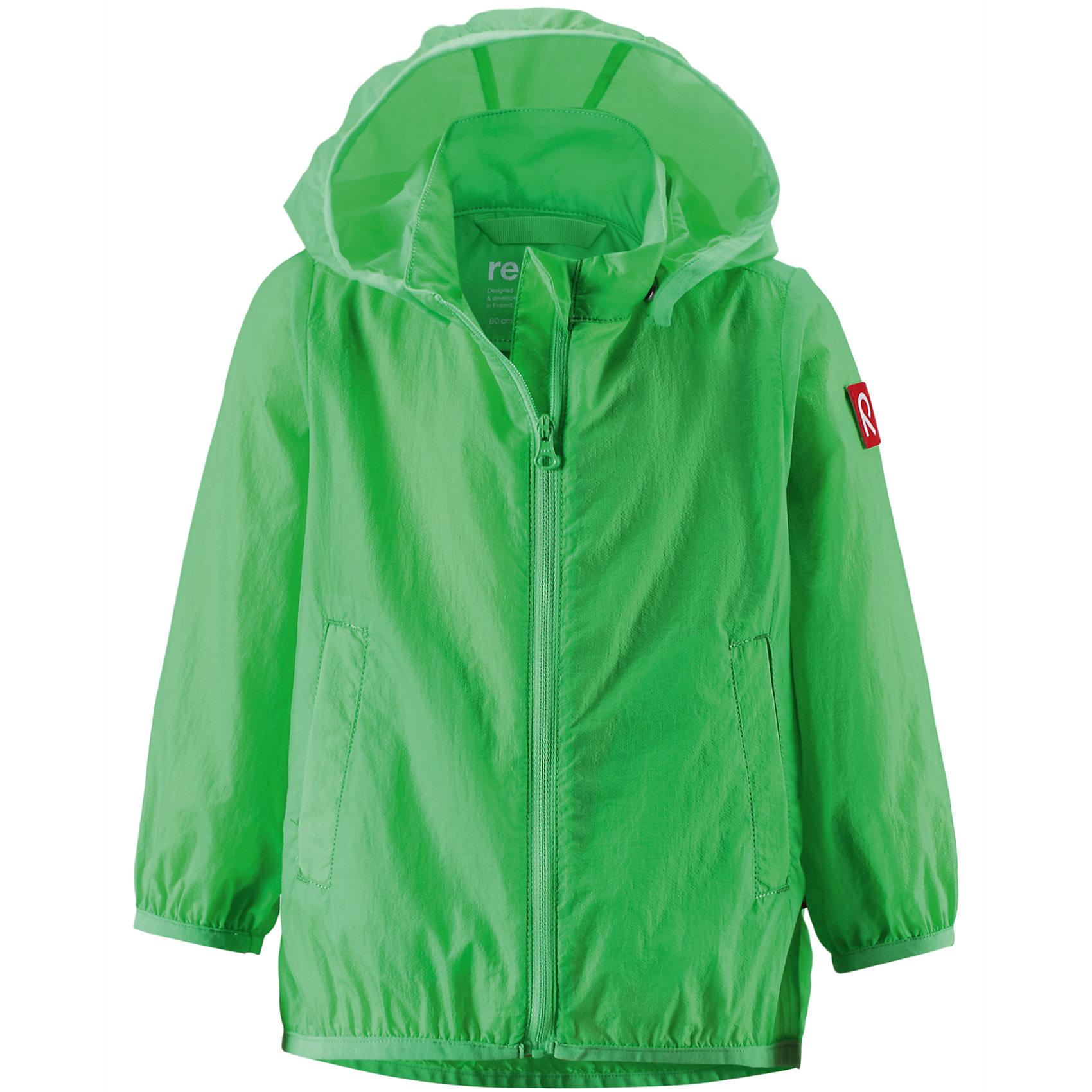 Куртка ReimaВерхняя одежда<br>Куртка Reima (Рейма), зеленый от известного финского производителя  детской одежды Reima. Куртка-ветровка выполнена из полиамида, который обладает высокой износоустойчивостью, воздухопроницаемыми, водооталкивающими и грязеотталкивающими свойствами. Изделие устойчиво к изменению формы и цвета даже при длительном использовании. Куртка имеет классическую форму: прямой силуэт с чуть присборенным эластичным кантом низом, кант повторяется на рукавах и капюшоне, воротник-стойка, застежка-молния с защитой у подбородка и 2 боковых прорезных кармана. Куртка имеет полиуретановое покрытие, что делает ее непромокаемой даже в дождливую погоду. Куртка идеально подходит для весенних и осенних прогулок.<br><br>Дополнительная информация:<br><br>- Предназначение: повседневная одежда для прогулок и активного отдыха<br>- Цвет: зеленый<br>- Пол: для мальчика<br>- Состав: 100% полиамид, полиуретановое покрытие<br>- Сезон: весна-осень (демисезонная)<br>- Особенности ухода: стирать изделие, предварительно вывернув его на левую сторону, не использовать отбеливающие вещества<br><br>Подробнее:<br><br>• Для детей в возрасте: от 2 лет и до 3 лет<br>• Страна производитель: Китай<br>• Торговый бренд: Reima, Финляндия<br><br>Куртку Reima (Рейма), зеленый можно купить в нашем интернет-магазине.<br><br>Ширина мм: 356<br>Глубина мм: 10<br>Высота мм: 245<br>Вес г: 519<br>Возраст от месяцев: 18<br>Возраст до месяцев: 24<br>Пол: Унисекс<br>Возраст: Детский<br>Размер: 92,86,98<br>SKU: 4863932