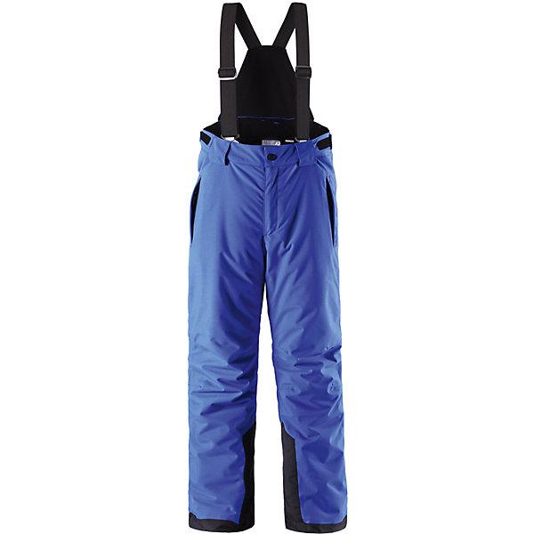 Брюки Reimatec® ReimaВерхняя одежда<br>Брюки Reimatec® Reima (Рейма), синий от известного финского производителя  детской одежды Reima. Зимние брюки выполнены из полиамида, который обладает высокой износоустойчивостью, воздухопроницаемыми, водооталкивающими и грязеотталкивающими свойствами. Изделие устойчиво к изменению формы и цвета даже при длительном использовании. Силуэт изделия имеет классическую форму: прямые брюки с высокой посадкой, съемными подтяжками и широким поясом. Пояс по ширине регулируется застежками на липучках, по бокам брюк имеются втачные карманы с застежками-молниями. У брюк все швы проклеенные, снизу брючин предусмотрена блокировка на кнопках от попадания снега. Брюки имеют оригинальный дизайн: ассиметричные горизонтальные черно-белые полосы разной ширины. Зимние брюки от Reima  можно носить при температуре до - 20 градусов.    <br><br>Дополнительная информация:<br><br>- Предназначение: повседневная одежда для прогулок и активного отдыха<br>- Цвет: синий, черный<br>- Пол: для мальчика<br>- Состав: 100% полиамид, полиуретановое покрытие<br>- Сезон: зима<br>- Особенности ухода: стирать изделие, предварительно вывернув его на левую сторону, не использовать отбеливающие вещества<br><br>Подробнее:<br><br>• Для детей в возрасте: от 12 лет и до 13 лет<br>• Страна производитель: Китай<br>• Торговый бренд: Reima, Финляндия<br><br>Брюки Reimatec® Reima (Рейма), синий можно купить в нашем интернет-магазине.<br>Ширина мм: 215; Глубина мм: 88; Высота мм: 191; Вес г: 336; Возраст от месяцев: 156; Возраст до месяцев: 168; Пол: Унисекс; Возраст: Детский; Размер: 164,158,152,140,146,134; SKU: 4864086;