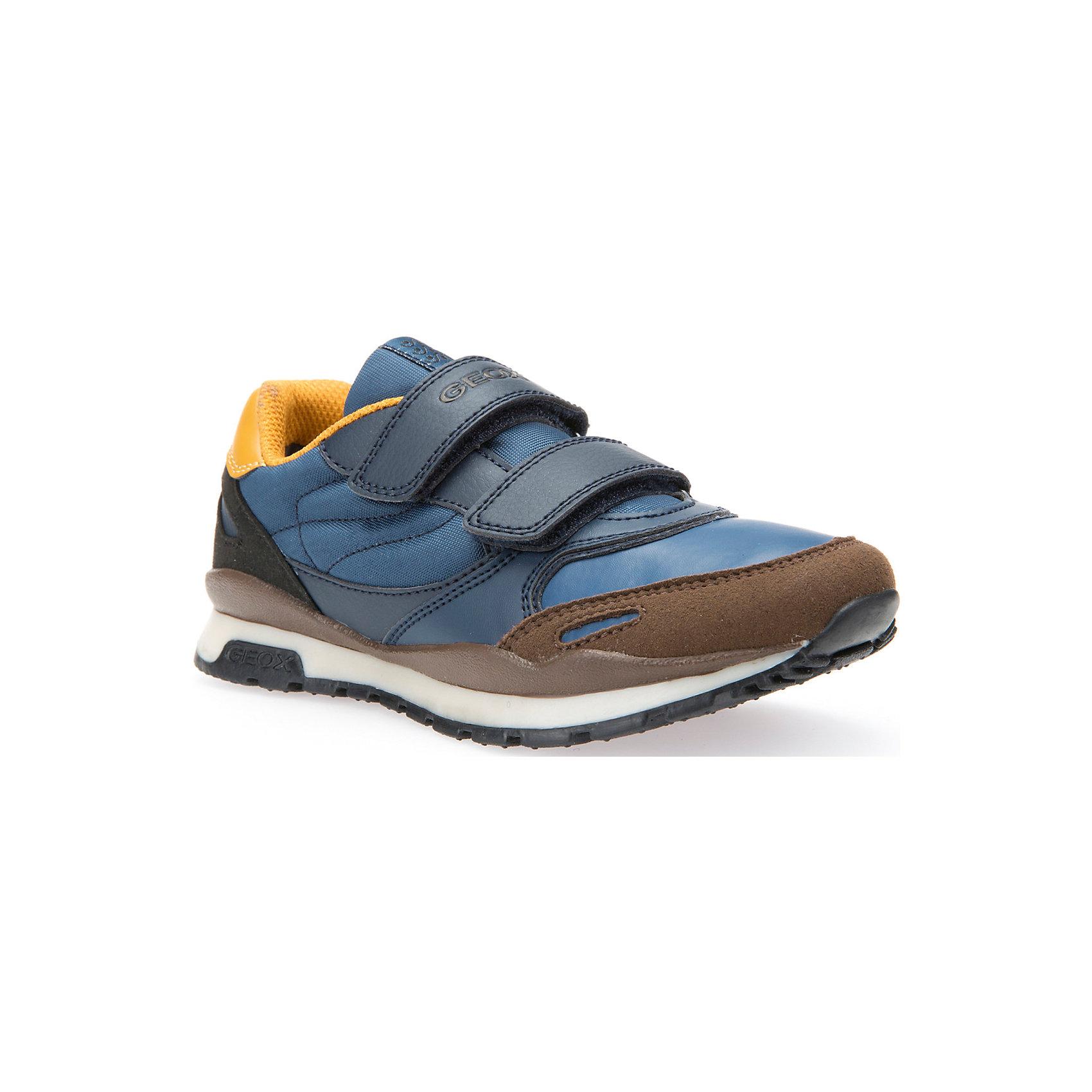 Кроссовки для мальчика GEOXКроссовки<br>Кроссовки для мальчика GEOX.<br>Кроссовки от GEOX (ГЕОКС) выполнены из искусственной кожи, внутренняя отделка из текстиля, стелька из натуральной кожи.  Застежки-липучки надежно фиксируют обувь на ногах, облегчая снятие и надевание. Колодка соответствует анатомическим особенностям строения детской стопы. Качественная амортизация снижает нагрузку на суставы. Запатентованная гибкая перфорированная подошва со специальной микропористой мембраной обеспечивает естественное дыхание обуви. Ноги остаются сухими в течение всего дня.<br><br>Дополнительная информация:<br><br>- Сезон:повседневная;<br>- Цвет:  синий, коричневый;<br>- Материал верха: 67% синтетический материал, 33% текстиль;<br>- Внутренний материал: 82% текстиль, 18% синтетический материал;<br>- Материал стельки: 100% натуральная кожа;<br>- Материал подошвы: 100 % резина;<br>- Тип застежки: липучка;<br>- Материалы и продукция прошли сертификацию T?V S?D, на отсутствие веществ, опасных для здоровья покупателей.<br><br>Кроссовки для мальчика GEOX (ГЕОКС) можно купить в нашем интернет-магазине.<br><br>Ширина мм: 250<br>Глубина мм: 150<br>Высота мм: 150<br>Вес г: 250<br>Цвет: голубой<br>Возраст от месяцев: 84<br>Возраст до месяцев: 96<br>Пол: Мужской<br>Возраст: Детский<br>Размер: 31,37,36,38,32,33,30,35,27,34,28,29<br>SKU: 4864826