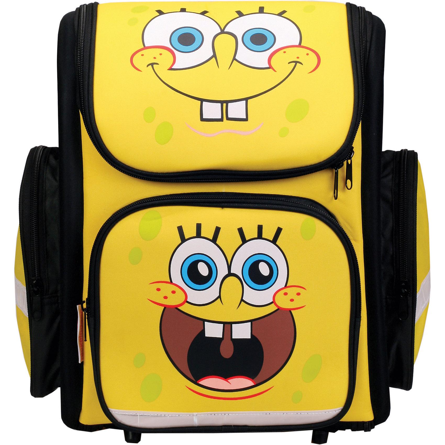 Ортопедический рюкзак Sponge BobОртопедический рюкзак Sponge Bob, CENTRUM (Центрум) ? каркасный рюкзак отечественного бренда детской серии. Рюкзаки этой серии выполнены из непромокаемого и прочного полиэстера высокого качества, отличаются легким весом. <br>Внутреннее устройство рюкзака состоит из одного вместительного отсека, внутри которого имеется вместительный карман. По бокам рюкзака имеются два кармана на застежке-молнии, на передней стенке – объемный карман, застегивающийся на молнию. Эргономичность рюкзака обеспечивается ортопедической спинкой и широкими регулируемыми ортопедическими лямками. Устойчивость рюкзаку придают имеющиеся на дне пластиковые ножки. Предусмотрена ручка-петля, за которую рюкзак можно подвешивать. <br>Рюкзак выполнен в черном цвете с яркими элементами дизайна. На передней стороне имеется изображение Губки Боба.<br>Ортопедический рюкзак Sponge Bob, CENTRUM (Центрум) ? это многофункциональность, качество и удобство использования. <br><br>Дополнительная информация:<br><br>- Вес: 815 г<br>- Габариты (Д*Ш*В): 18,5*32*38 см<br>- Цвет: черный, желтый<br>- Материал: полиэстер<br>- Сезон: круглый год<br>- Коллекция: детская<br>- Пол: мужской<br>- Предназначение: для школы, для занятий спортом, для путешествий <br>- Особенности ухода: можно чистить влажной щеткой или губкой<br><br>Подробнее:<br><br>• Для детей в возрасте: от 3 лет и до 10 лет<br>• Страна производитель: Россия<br>• Торговый бренд: CENTRUM<br><br>Ортопедический рюкзак Sponge Bob, CENTRUM (Центрум) можно купить в нашем интернет-магазине.<br><br>Ширина мм: 185<br>Глубина мм: 320<br>Высота мм: 380<br>Вес г: 815<br>Возраст от месяцев: 36<br>Возраст до месяцев: 120<br>Пол: Мужской<br>Возраст: Детский<br>SKU: 4865216