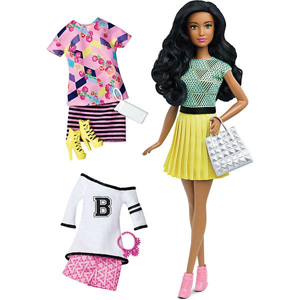 Кукла + набор одежды, BarbieКуклы<br>Характеристики куклы Барби:<br><br>• высота куклы – 29 см;<br>• шарнирные руки куклы, поднимаются вверх и в стороны, одна рука Барби согнута в локте;<br>• ножки красавицы поднимаются и опускаются, Барби может занимать сидячую позу;<br>• голова куклы поворачивается;<br>• нейлоновые волосы куколки легко расчесываются, не путаются;<br>• наряды куклы Барби выполнены из полиэстера, одежда снимается;<br>• обувь Бабри пластиковая.<br><br>Гардероб куклы Барби пополняется тремя комплектами: юбки, шорты, футболки и джемпер. Девочки могут переодевать Барби, сочетать детали гардероба, наряжать свою красавицу. <br><br>Комплектация игрового набора Mattel:<br><br>• кукла Барби;<br>• три комплекта одежды;<br>• босоножки, ботинки;<br>• 2 сумочки;<br>• кулон на шею.<br><br>Куклу + набор одежды, Barbie можно купить в нашем интернет-магазине.<br><br>Ширина мм: 60<br>Глубина мм: 255<br>Высота мм: 325<br>Вес г: 356<br>Возраст от месяцев: 36<br>Возраст до месяцев: 120<br>Пол: Женский<br>Возраст: Детский<br>SKU: 4865295