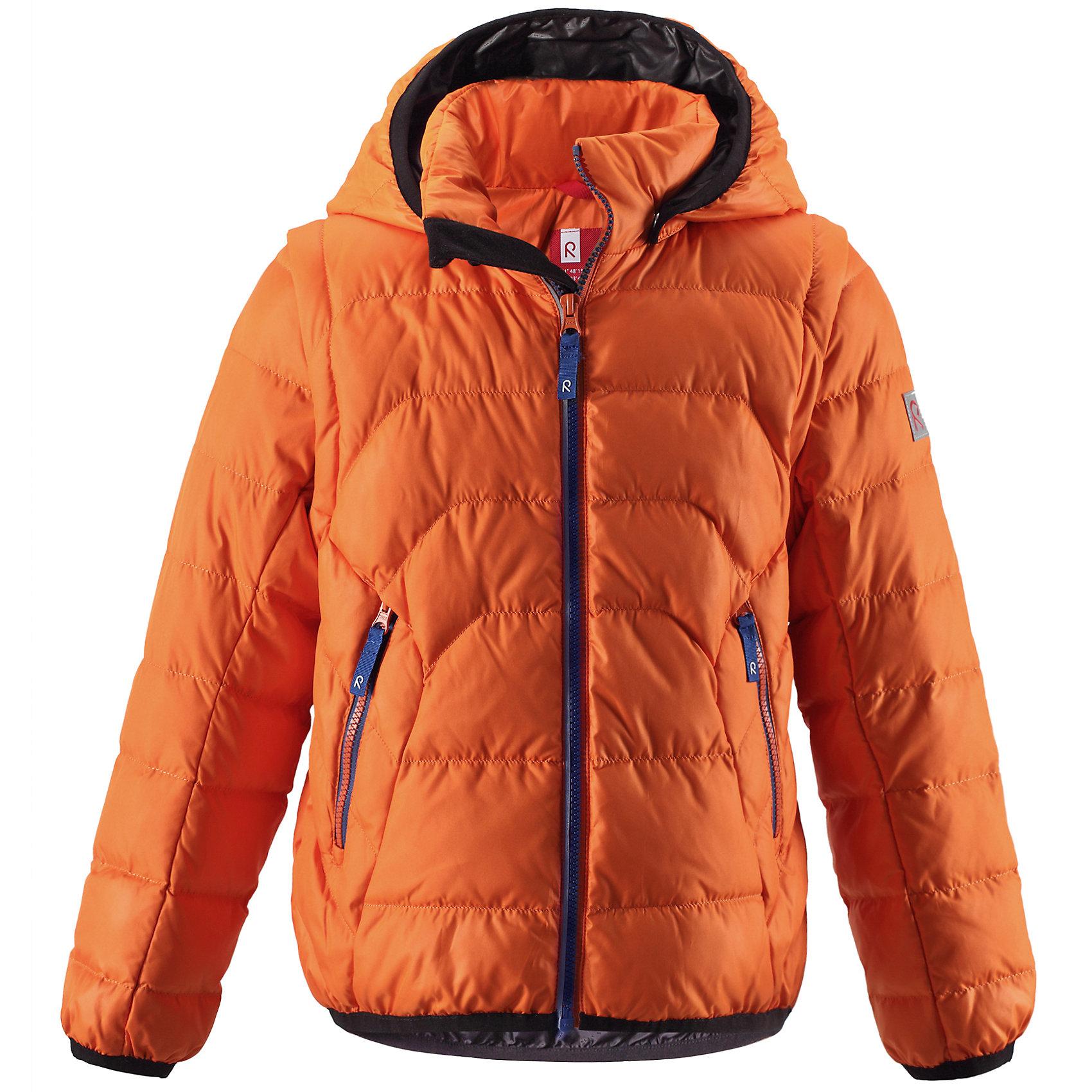 Куртка ReimaКуртка  от известного финского бренда Reima.<br>Куртка яркого оранжевого цвета со средней степенью утепления. Очень легкая и тонкая, наполнитель 60% пух / 40% перо. Рукава на молнии отстегиваются и куртка превращается в жилет.<br>Температурный режим: до -20<br><br>- Средняя степень утепления<br>- Безопасный съёмный регулируемый капюшон<br>- Отстёгивающиеся рукава на молниях<br>- Эластичный кант на манжетах рукавов и по нижнему краю пуховика<br>- Молнии контрастного цвета<br>- Два боковых кармана на молниях<br>Состав:<br>60% пух / 40% перо<br>Средняя степень утепления<br>Безопасный съёмный регулируемый капюшон<br>Отстёгивающиеся рукава на молниях<br>Эластичный кант на манжетах рукавов и по нижнему краю пуховика<br>Молнии контрастного цвета<br>Два боковых кармана на молниях<br><br>Ширина мм: 356<br>Глубина мм: 10<br>Высота мм: 245<br>Вес г: 519<br>Цвет: оранжевый<br>Возраст от месяцев: 48<br>Возраст до месяцев: 60<br>Пол: Унисекс<br>Возраст: Детский<br>Размер: 140,134,116,122,110,128<br>SKU: 4869727