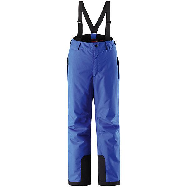 Брюки ReimaОдежда<br>Брюки Reima (Рейма), синий от известного финского производителя  детской одежды Reima. Зимние брюки выполнены из полиамида, который обладает высокой износоустойчивостью, воздухопроницаемыми, водооталкивающими и грязеотталкивающими свойствами. Изделие устойчиво к изменению формы и цвета даже при длительном использовании. Силуэт изделия имеет классическую форму: прямые брюки с высокой посадкой, съемными подтяжками и широким поясом. Пояс по ширине регулируется застежками на липучках, по бокам брюк имеются втачные карманы с застежками-молниями. У брюк все швы проклеенные, снизу брючин предусмотрена блокировка на кнопках от попадания снега. Зимние брюки от Reima  можно носить при температуре до - 20 градусов.    <br><br>Дополнительная информация:<br><br>- Предназначение: повседневная одежда для прогулок и активного отдыха<br>- Цвет: синий<br>- Пол: для мальчика/для девочки<br>- Состав: 100% полиамид, полиуретановое покрытие<br>- Сезон: зима<br>- Особенности ухода: стирать изделие, предварительно вывернув его на левую сторону, не использовать отбеливающие вещества<br><br>Подробнее:<br><br>• Для детей в возрасте: от 9 лет и до 10 лет<br>• Страна производитель: Китай<br>• Торговый бренд: Reima, Финляндия<br><br>Брюки Reima (Рейма), синий можно купить в нашем интернет-магазине.<br><br>Ширина мм: 215<br>Глубина мм: 88<br>Высота мм: 191<br>Вес г: 336<br>Цвет: синий<br>Возраст от месяцев: 108<br>Возраст до месяцев: 120<br>Пол: Унисекс<br>Возраст: Детский<br>Размер: 140,164,158,152,134,146,128<br>SKU: 4869755