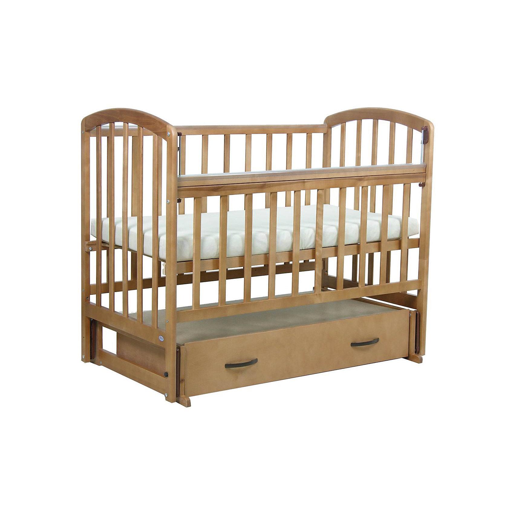 Кроватка 311, поперечный маятник, Фея, медовыйКачественная детская мебель всегда отличается от взрослой, так как производится с учетом потребностей малышей. Данная кроватка обеспечит удобство и ребенку и маме - она имеет удобный механизм опускания передней планки и колесики, с помощью которых кроватку можно перемещать.<br>В этой модели - маятниковый механизм поперечного качания, также есть удобный ящик. Кроватка сделана из качественного дерева, покрытого лаком. Цвет - универсальный, подойдет практически для любого интерьера. Все материалы тщательно подобраны специалистами и безопасны для детей.<br><br>Дополнительная информация:<br><br>цвет: медовый;<br>материал: береза, лак;<br>передняя планка удобно опускается;<br>выдвижной ящик;<br>ложе имеет 2 положения;<br>колёсики;<br>силиконовые накладки;<br>размер ящика под кроватью: 109, 5x 58 х 20 см;<br>размер: 124 х 70 х 101 см ;<br>ложе: 60 на 120 см;<br>вес: 30 кг.<br><br>Кроватку 311 торговой марки Фея можно купить в нашем магазине.<br><br>Ширина мм: 1248<br>Глубина мм: 750<br>Высота мм: 1037<br>Вес г: 27650<br>Возраст от месяцев: 0<br>Возраст до месяцев: 36<br>Пол: Унисекс<br>Возраст: Детский<br>SKU: 4873612