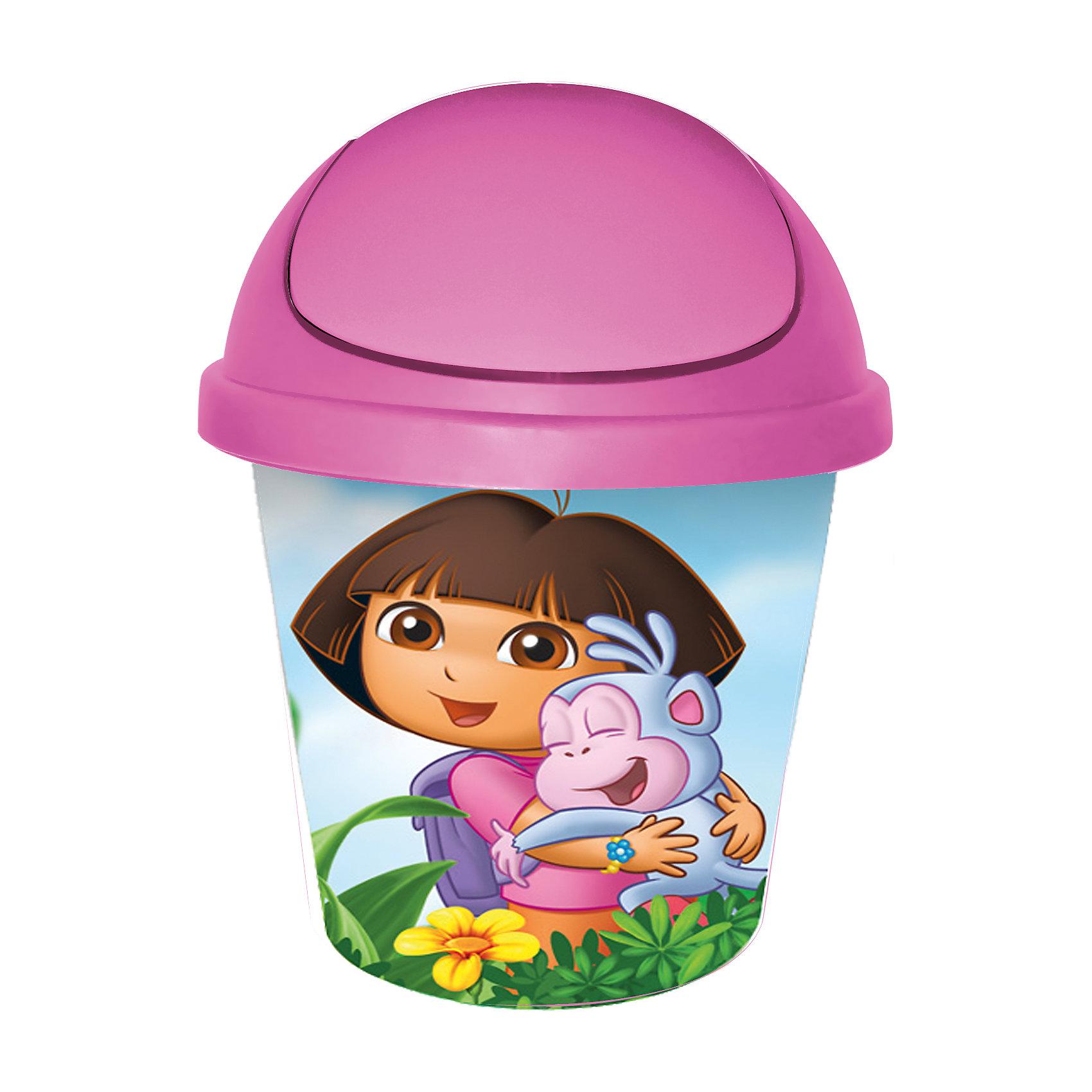 Мусорная корзина круглая 7л. Даша путешественница, Little Angel, розовыйПорядок в детской<br>Мусорная корзина круглая 7 л Даша путешественница, Little Angel, розовый изготовлена отечественным производителем . Выполненная из высококачественного пластика, устойчивого к внешним повреждениям и изменению цвета, корзина позволит не только поддерживать чистоту, но и украсит детскую комнату своим ярким дизайном. По бокам корзины с помощью инновационной технологии нанесены картинки, изображающие Дашу с ее другом-обезьянкой по имени Башмачок.<br>Мусорная корзина оснащена вращающейся откидной крышкой, которая снимается, что позволит аккуратно убирать мусор, вставлять мусорный мешок, а также мыть. <br><br>Дополнительная информация:<br><br>- Предназначение: для дома<br>- Цвет: розовый<br>- Пол: для девочки<br>- Материал: пластик<br>- Размер (Д*Ш*В): 26,7*26,7*33 см<br>- Объем: 7 л<br>- Вес: 370 г<br>- Особенности ухода: разрешается мыть теплой водой<br><br>Подробнее:<br><br>• Для детей в возрасте: от 2 лет и до 7 лет<br>• Страна производитель: Россия<br>• Торговый бренд: Little Angel<br><br>Мусорную корзину круглую 7 л Даша путешественница, Little Angel, розовый можно купить в нашем интернет-магазине.<br><br>Ширина мм: 267<br>Глубина мм: 267<br>Высота мм: 330<br>Вес г: 370<br>Возраст от месяцев: 24<br>Возраст до месяцев: 84<br>Пол: Женский<br>Возраст: Детский<br>SKU: 4881763