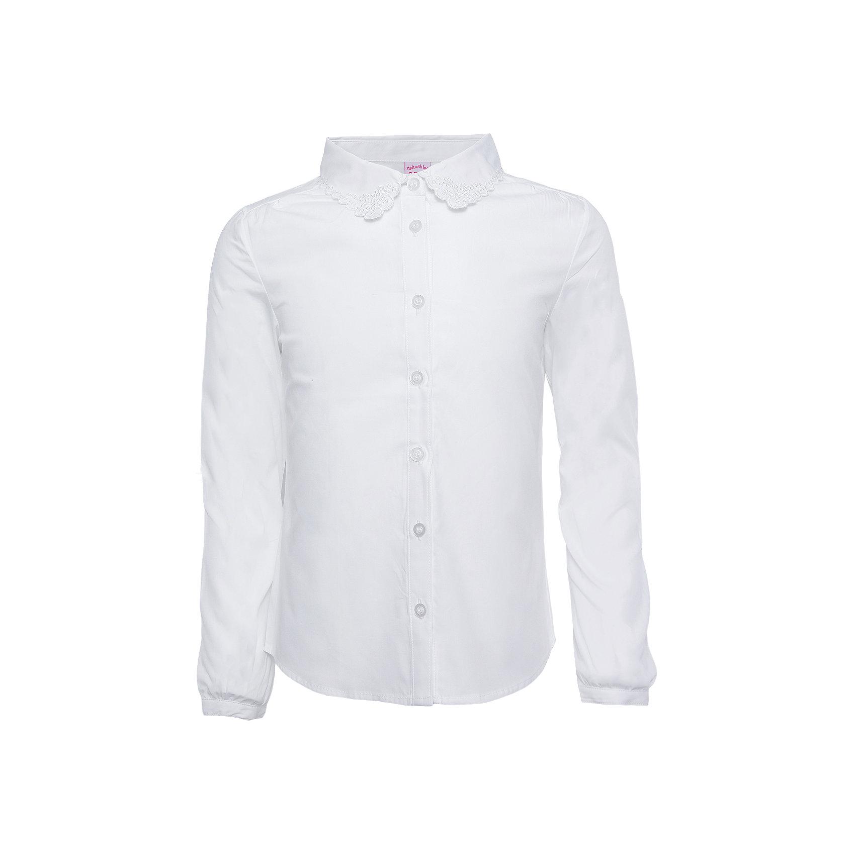 Блузка для девочки SELAБлузки и рубашки<br>Нежная белая блузка для девочки необходимый атрибут в гардеробе юной леди.<br><br>У блузки приталенный крой, поэтому она хорошо будет смотреться с юбками и брюками, так же ее можно одеть под аккуратный школьный сарафан.<br><br>Дополнительная информация:<br><br>- Приталенный крой.<br>- Длинный рукав, с манжетой.<br>- Цвет: белый.<br>- Состав: хлопок - 100%<br>- Бренд: SELA<br>- Коллекция: осень-зима 2016-2017<br><br>Купить блузку для девочки от SELA можно в нашем магазине.<br><br>Ширина мм: 186<br>Глубина мм: 87<br>Высота мм: 198<br>Вес г: 197<br>Цвет: белый<br>Возраст от месяцев: 132<br>Возраст до месяцев: 144<br>Пол: Женский<br>Возраст: Детский<br>Размер: 152,116,122,128,134,140,146<br>SKU: 4883420